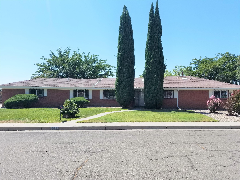 1001 CASA GRANDE Court NE Property Photo - Albuquerque, NM real estate listing