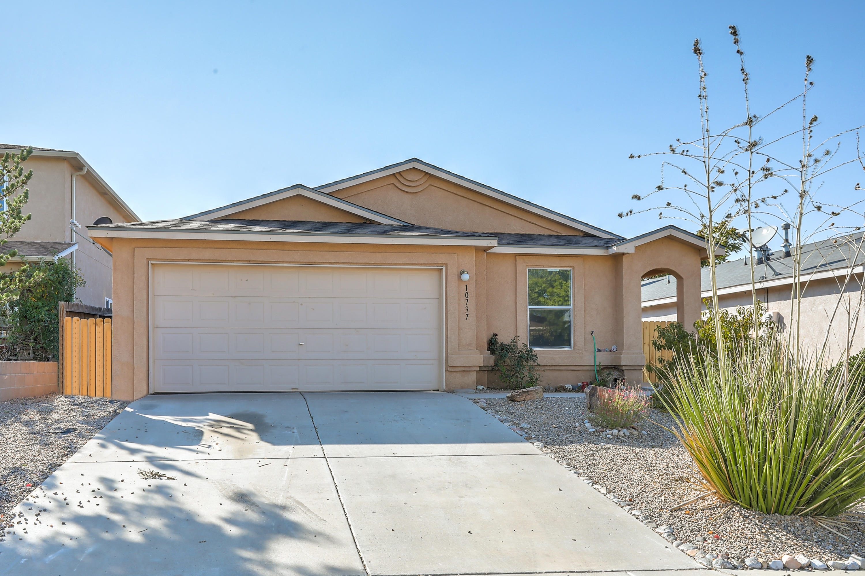 10737 STONE HEDGE Court NW Property Photo - Albuquerque, NM real estate listing