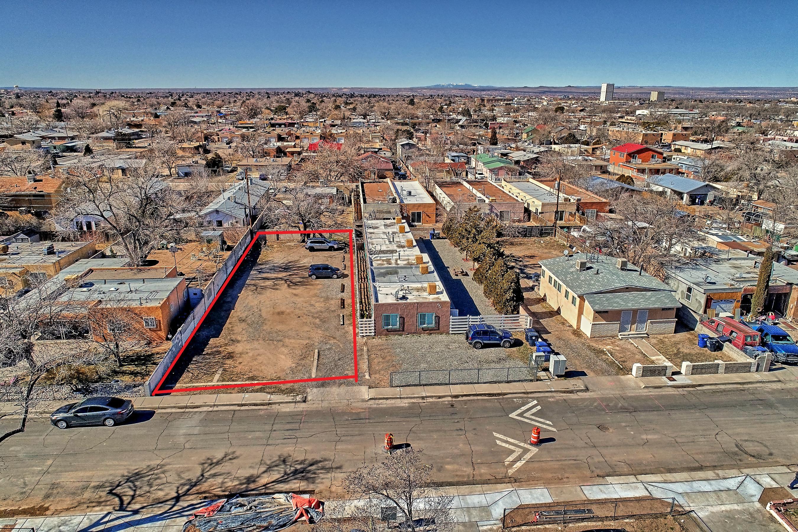 527 MESILLA Street SE Property Photo - Albuquerque, NM real estate listing