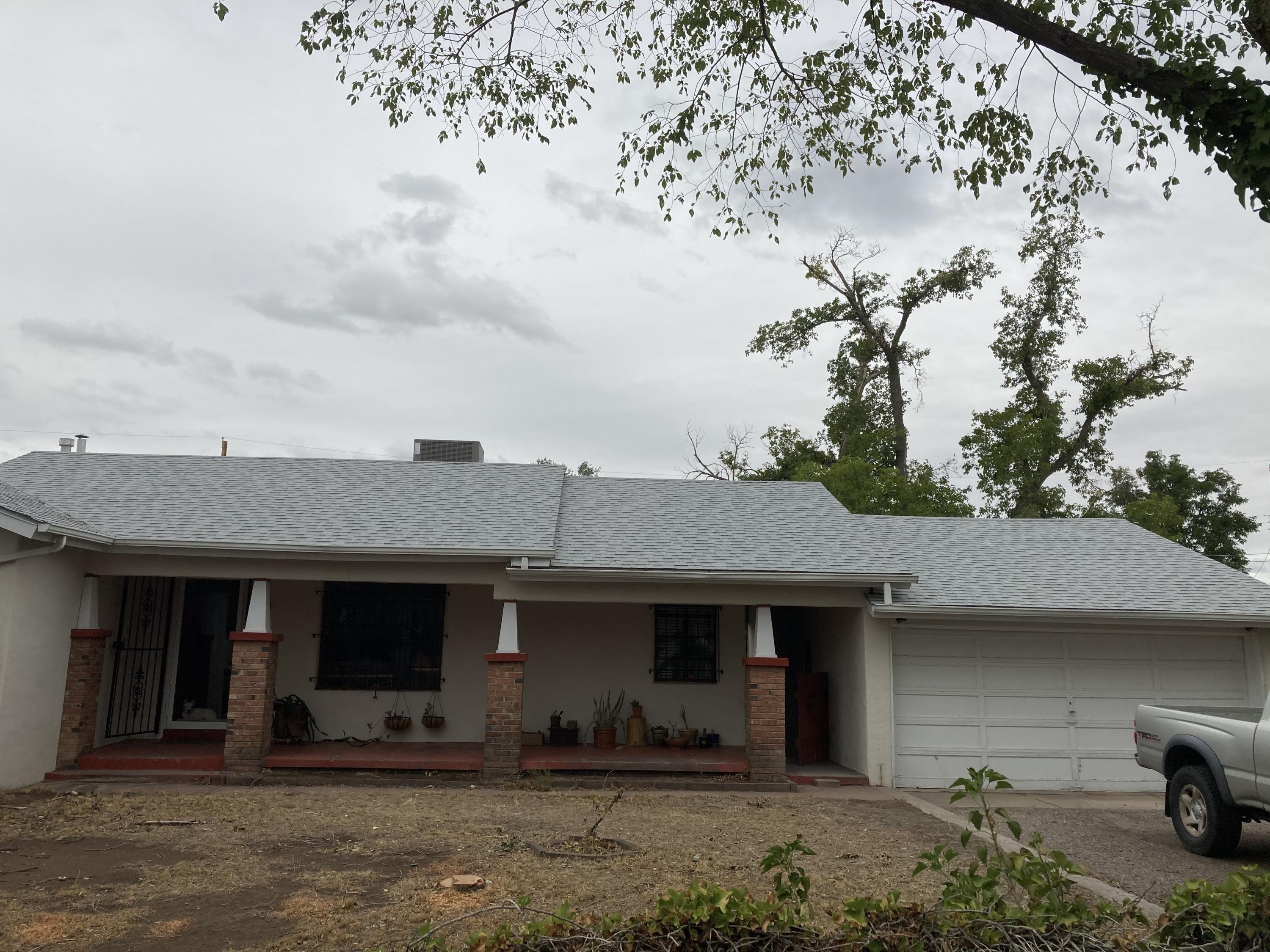 387 Tyler Road NW Property Photo - Los Ranchos, NM real estate listing