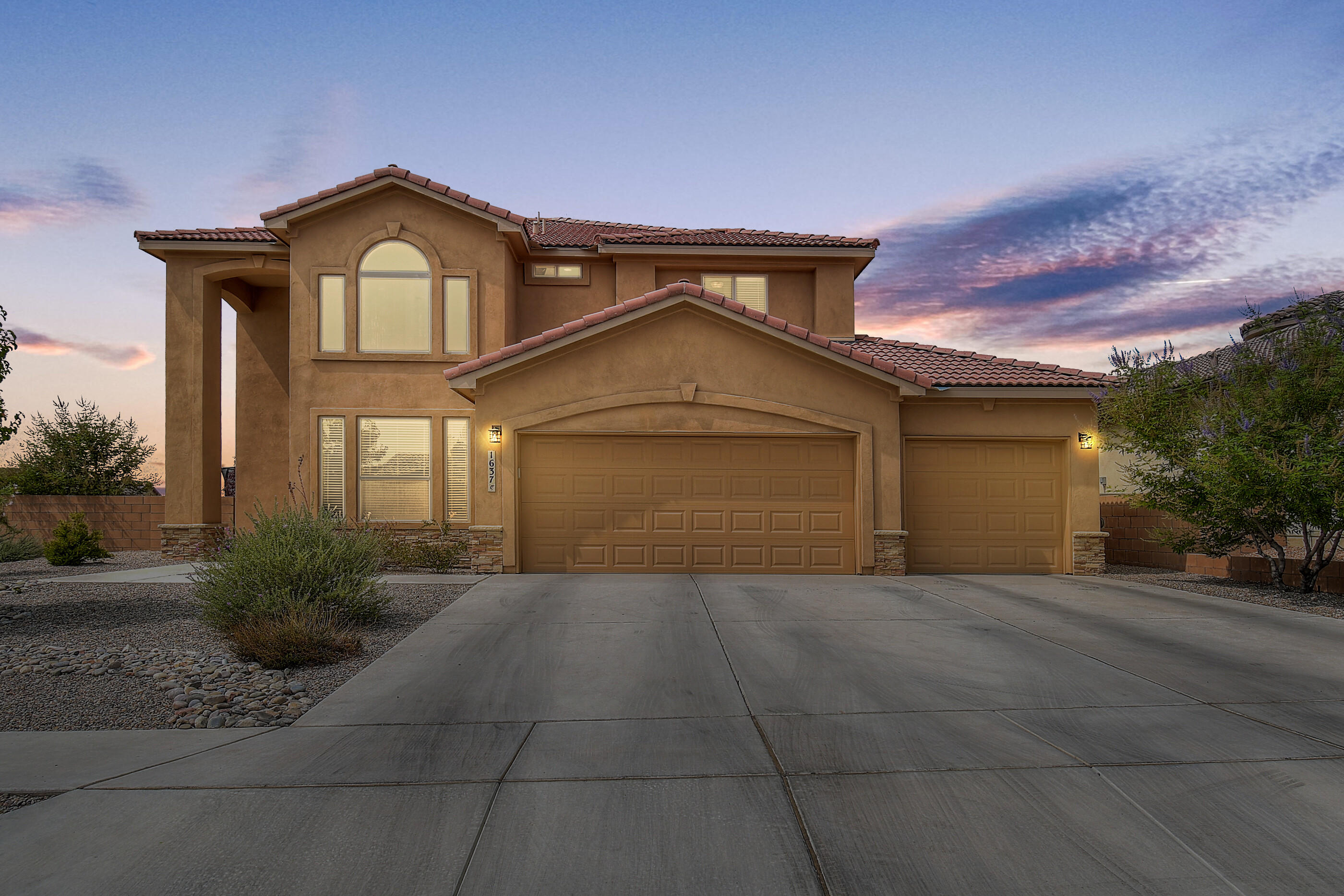1637 ROBLE Drive SE Property Photo - Rio Rancho, NM real estate listing
