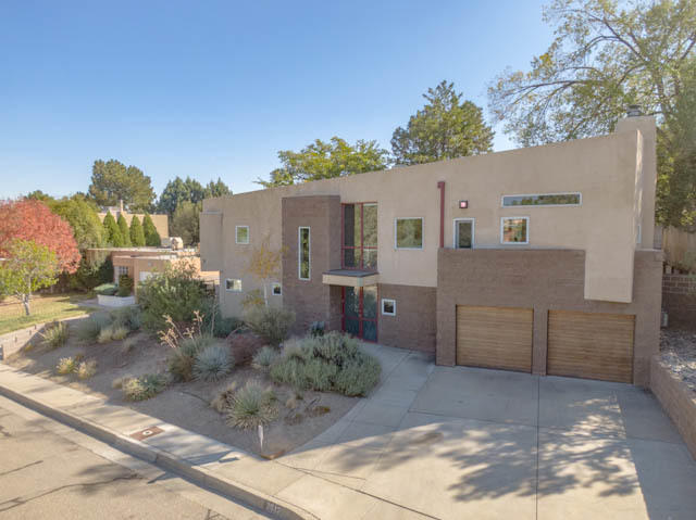 2612 VISTA LARGA Avenue NE Property Photo - Albuquerque, NM real estate listing