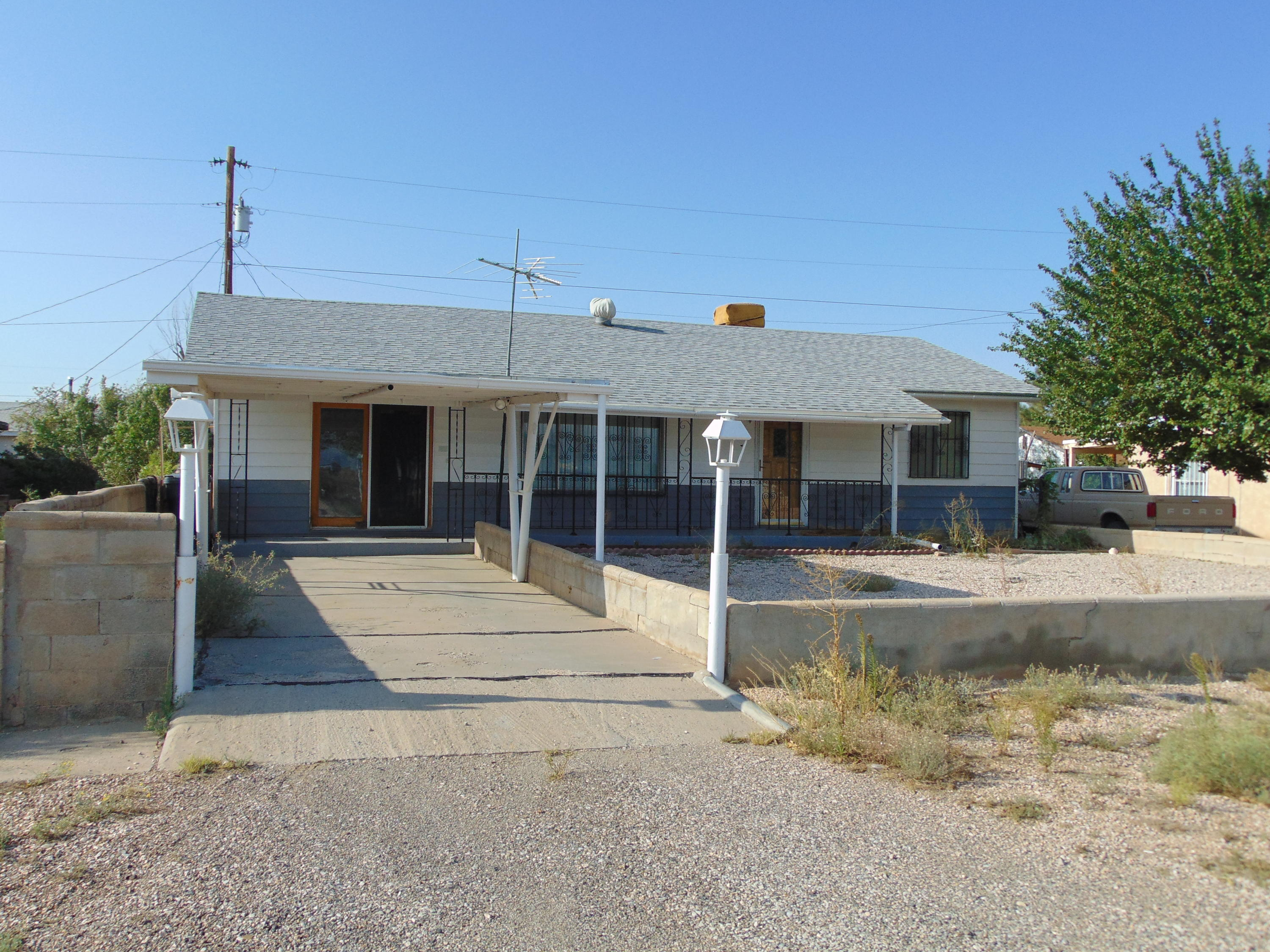300 ARCHER Street Property Photo - Grants, NM real estate listing
