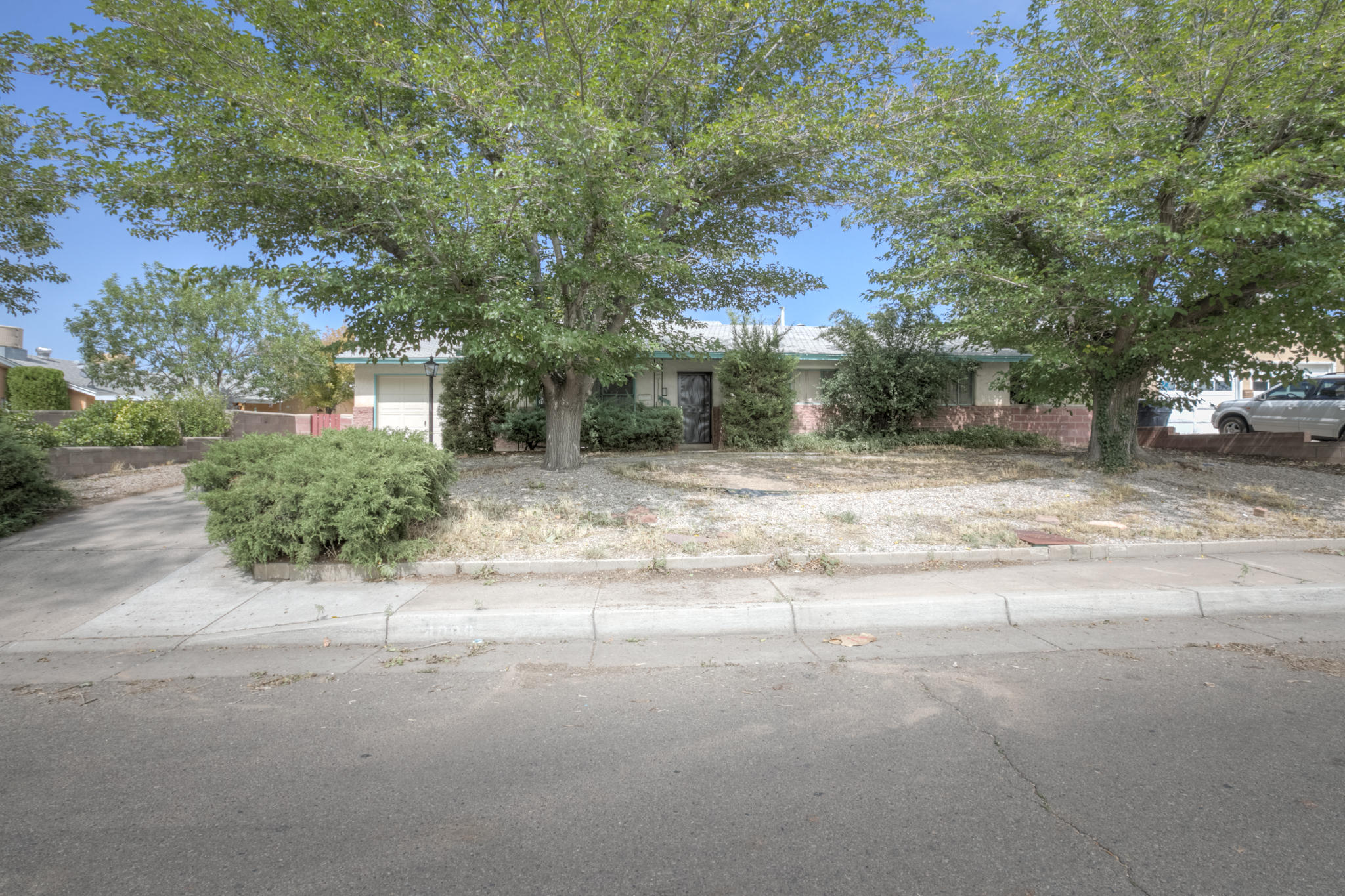 Carlisle Plaza Real Estate Listings Main Image