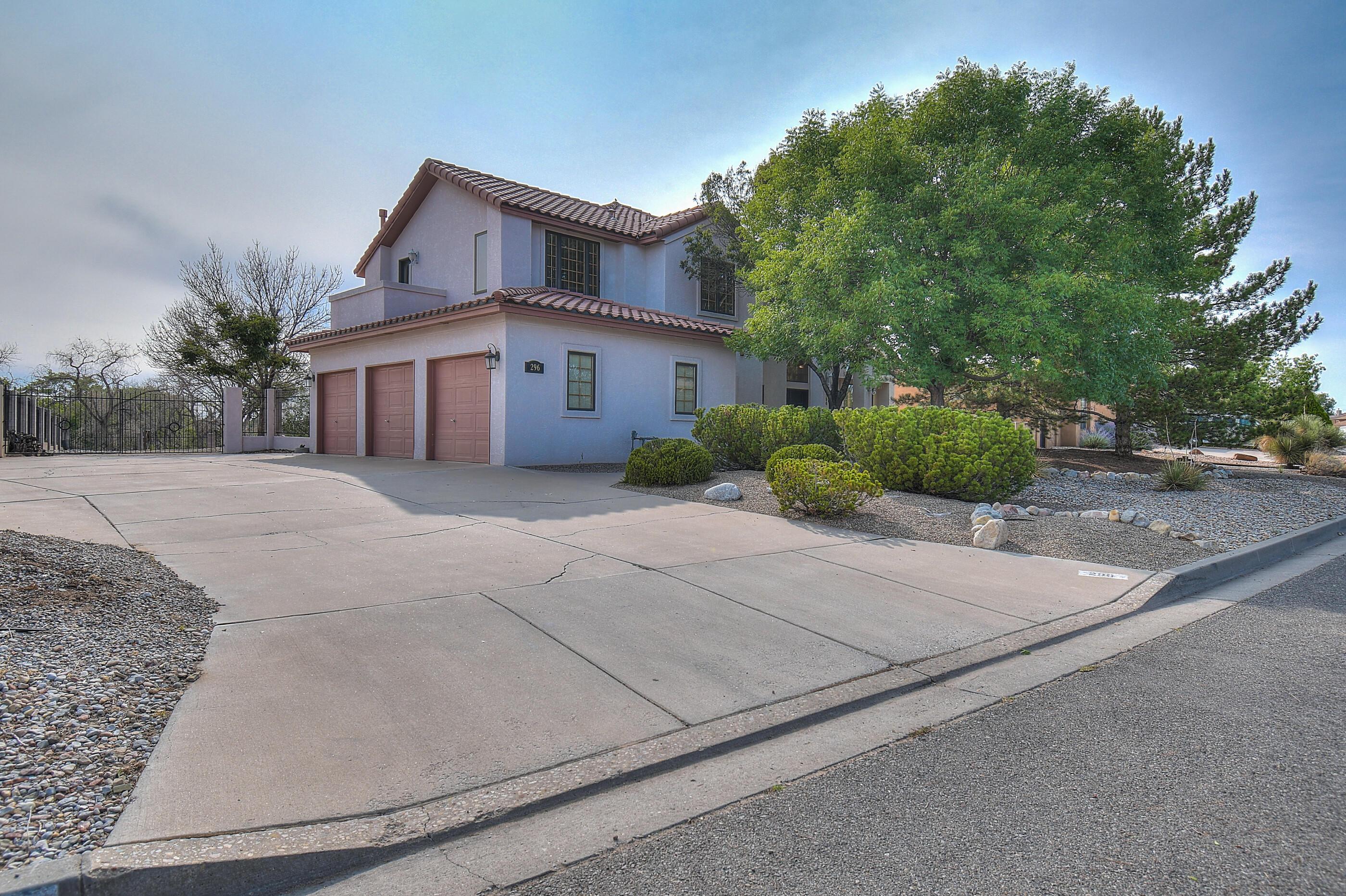 296 NICKLAUS Drive SE Property Photo - Rio Rancho, NM real estate listing