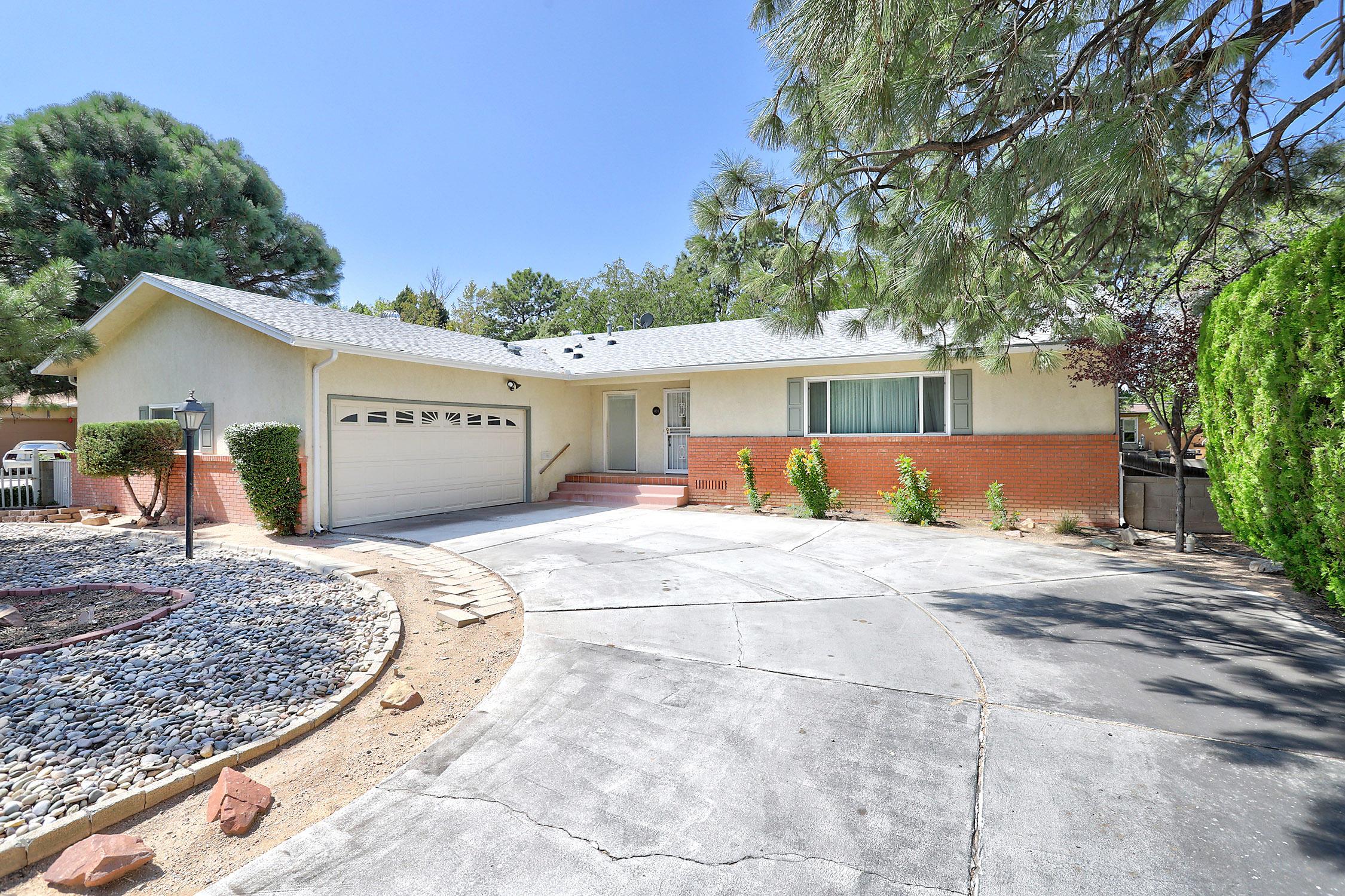 1409 ESPANOLA Street NE Property Photo - Albuquerque, NM real estate listing