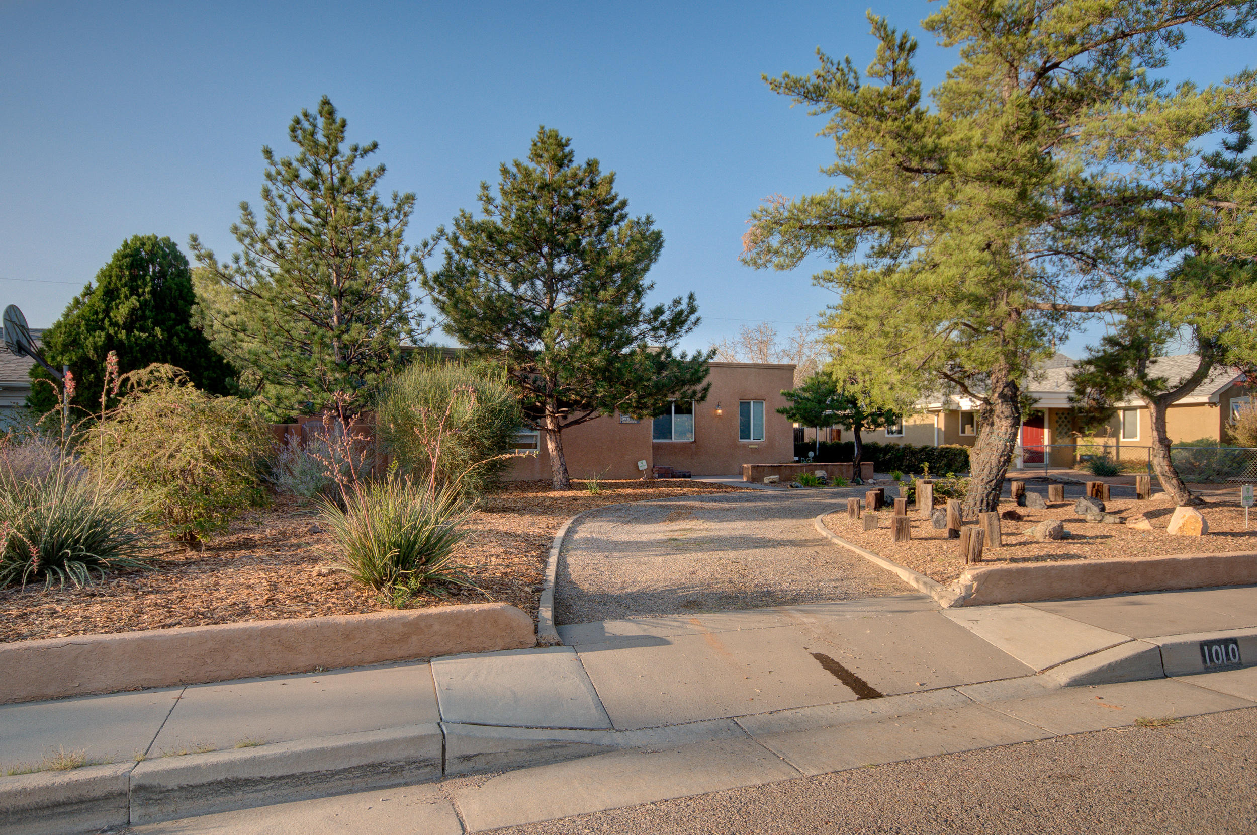 1010 Parkland Place SE Property Photo - Albuquerque, NM real estate listing