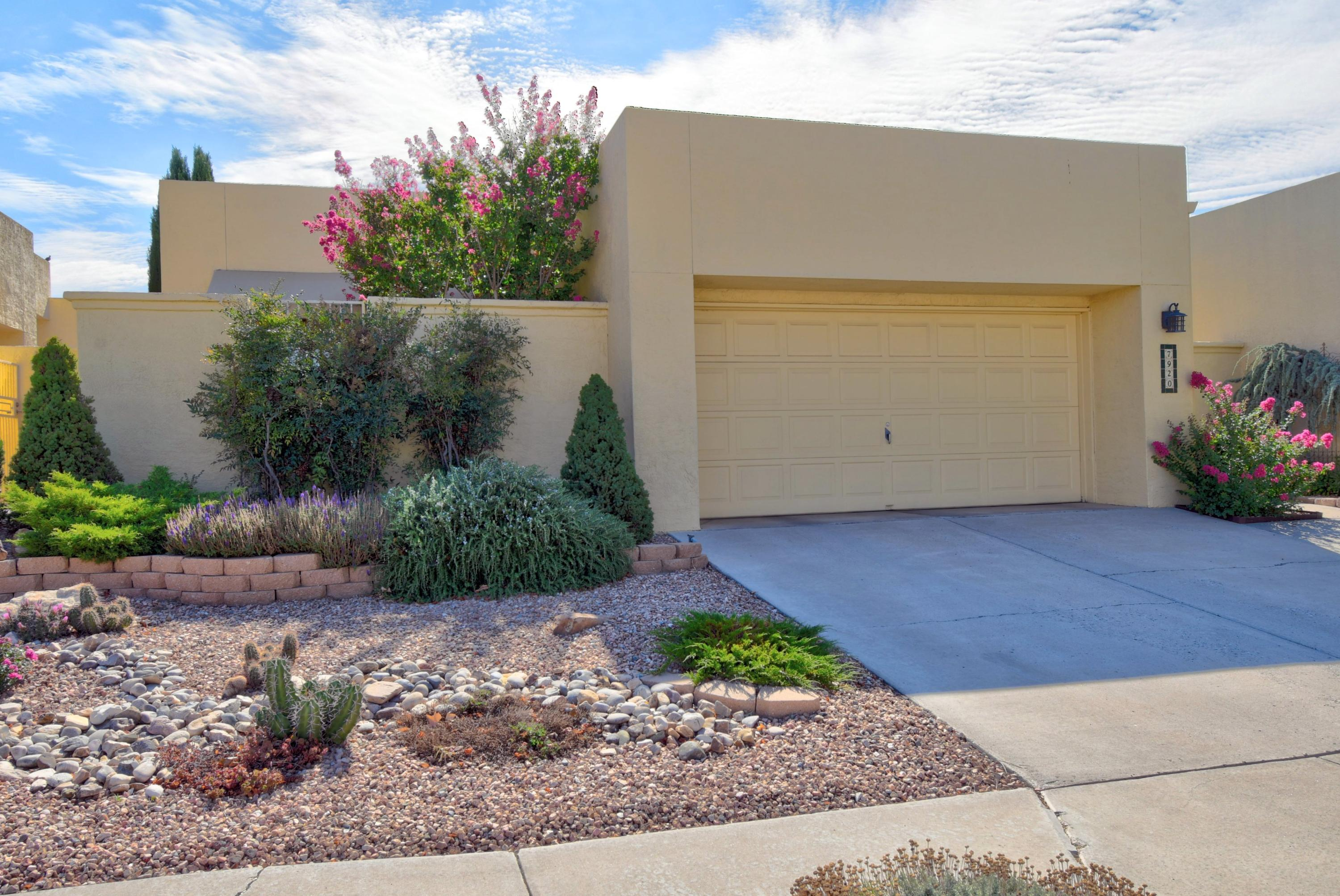 7920 Woodleaf Drive NE Property Photo - Albuquerque, NM real estate listing