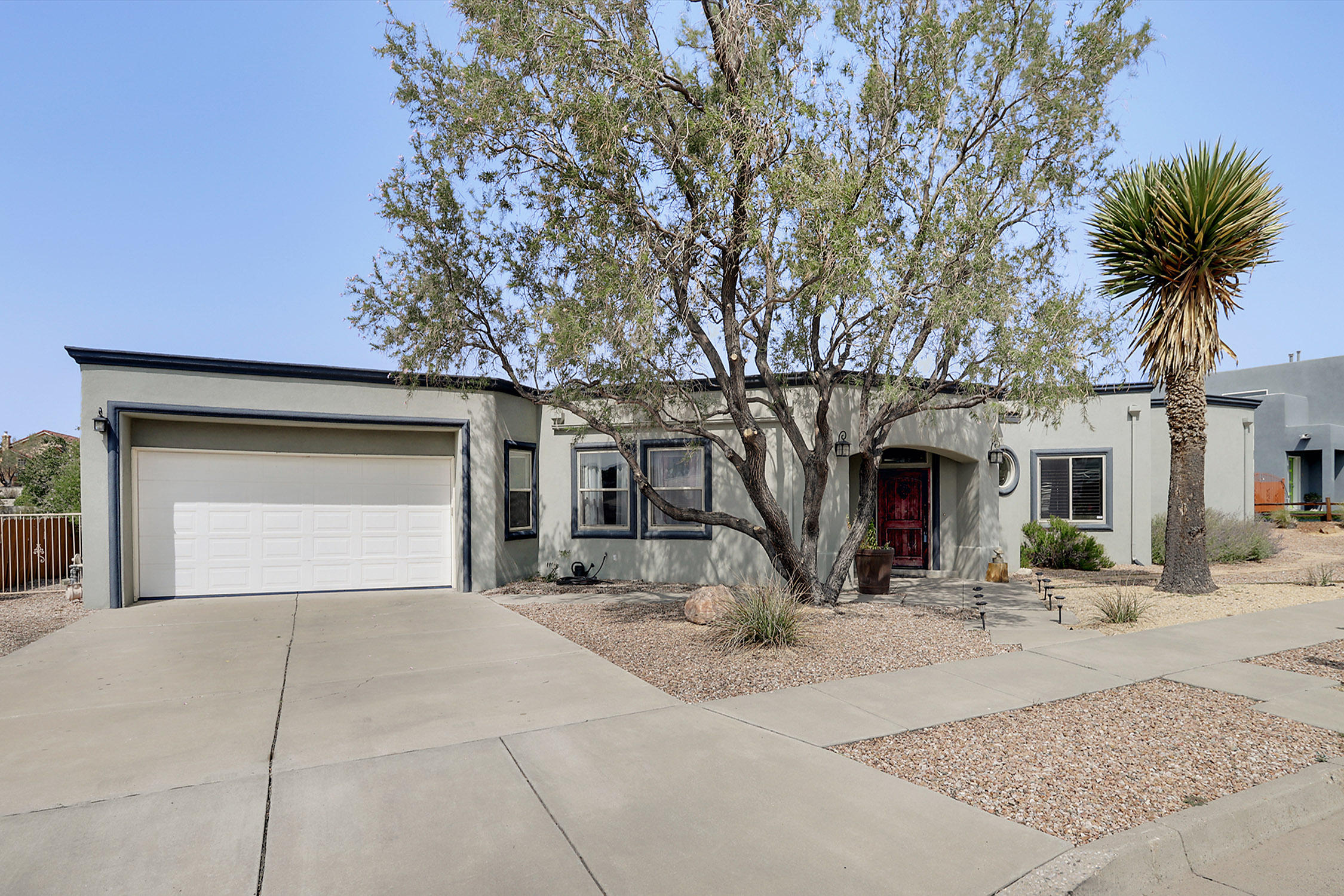 401 NARCISSUS Place SE Property Photo - Albuquerque, NM real estate listing