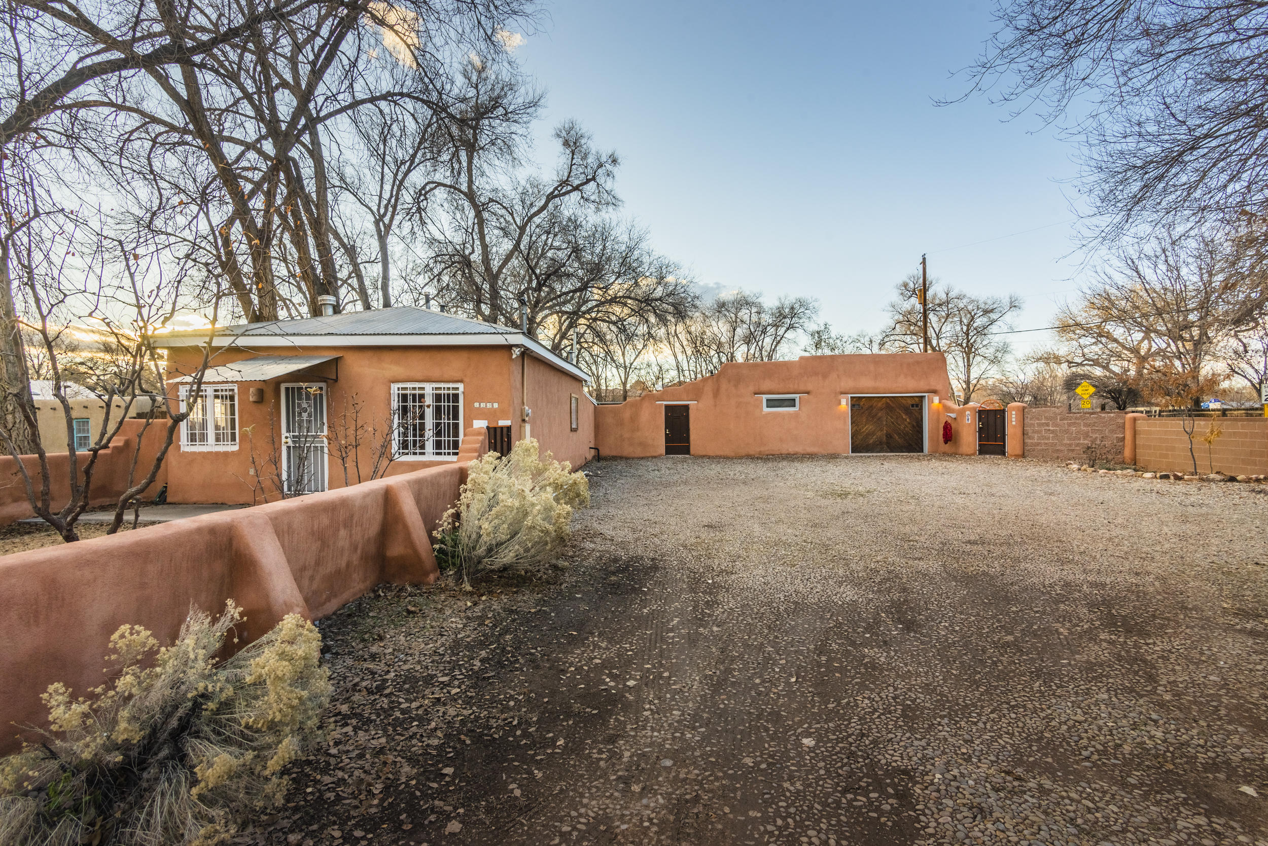 7339 Guadalupe Trail NW Property Photo - Los Ranchos, NM real estate listing