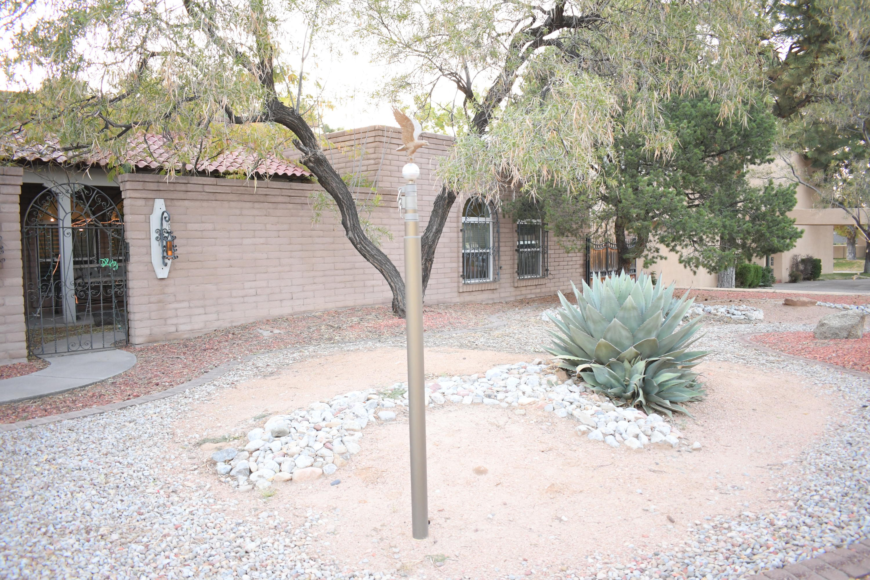 7904 SARTAN Way NE Property Photo - Albuquerque, NM real estate listing