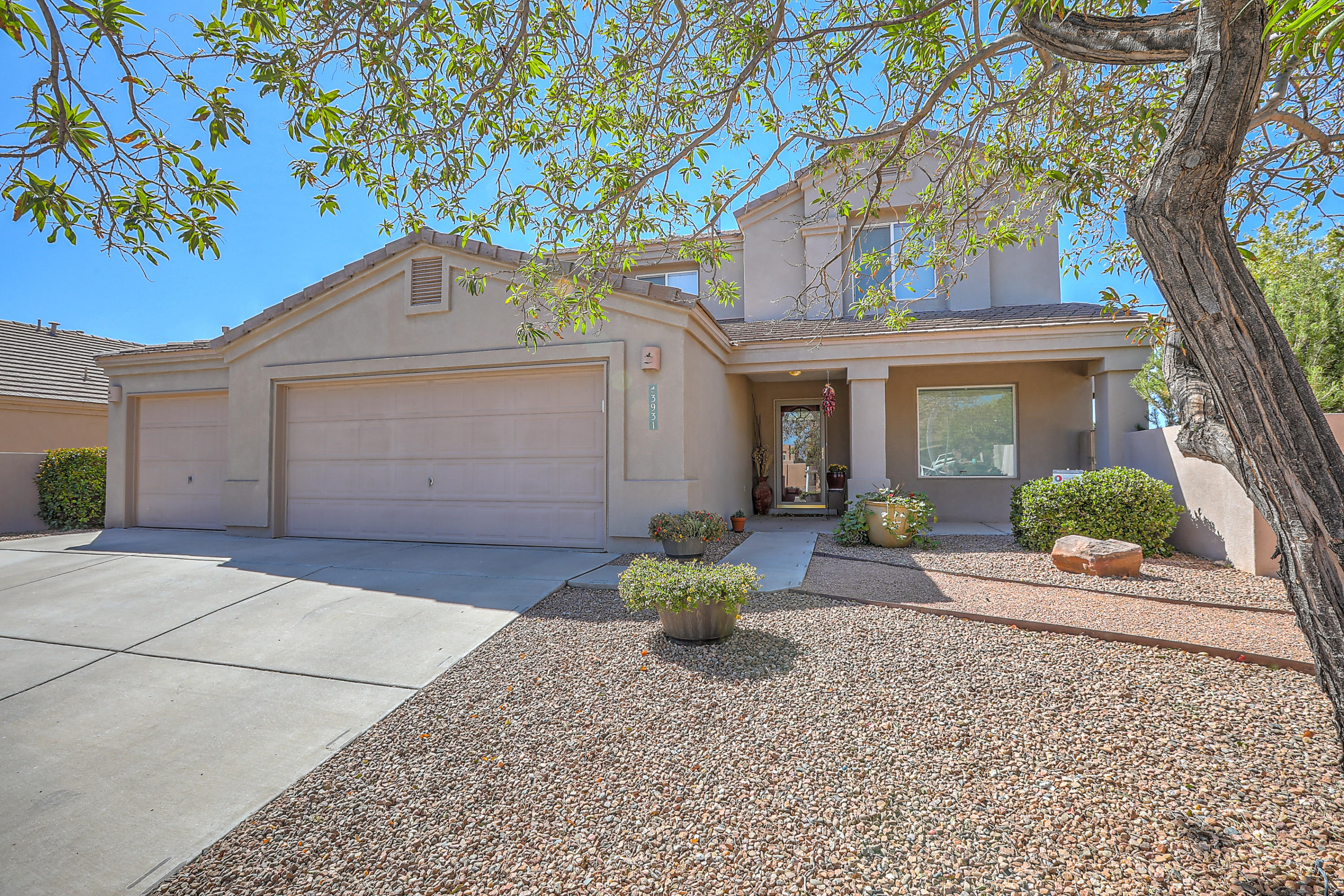 3931 DESERT SAGE Court NW Property Photo - Albuquerque, NM real estate listing