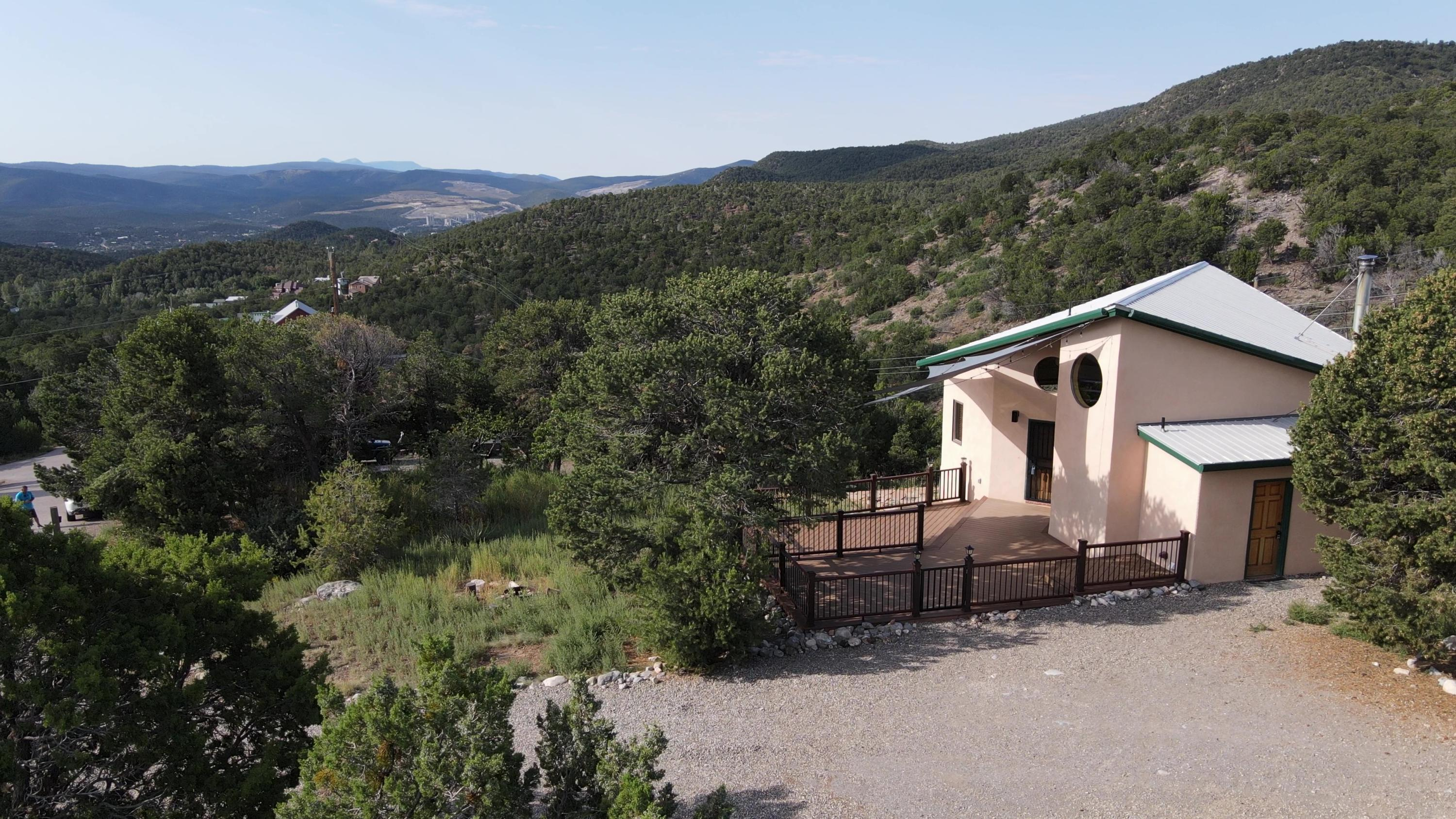 2 FAWN Road Property Photo - Cedar Crest, NM real estate listing