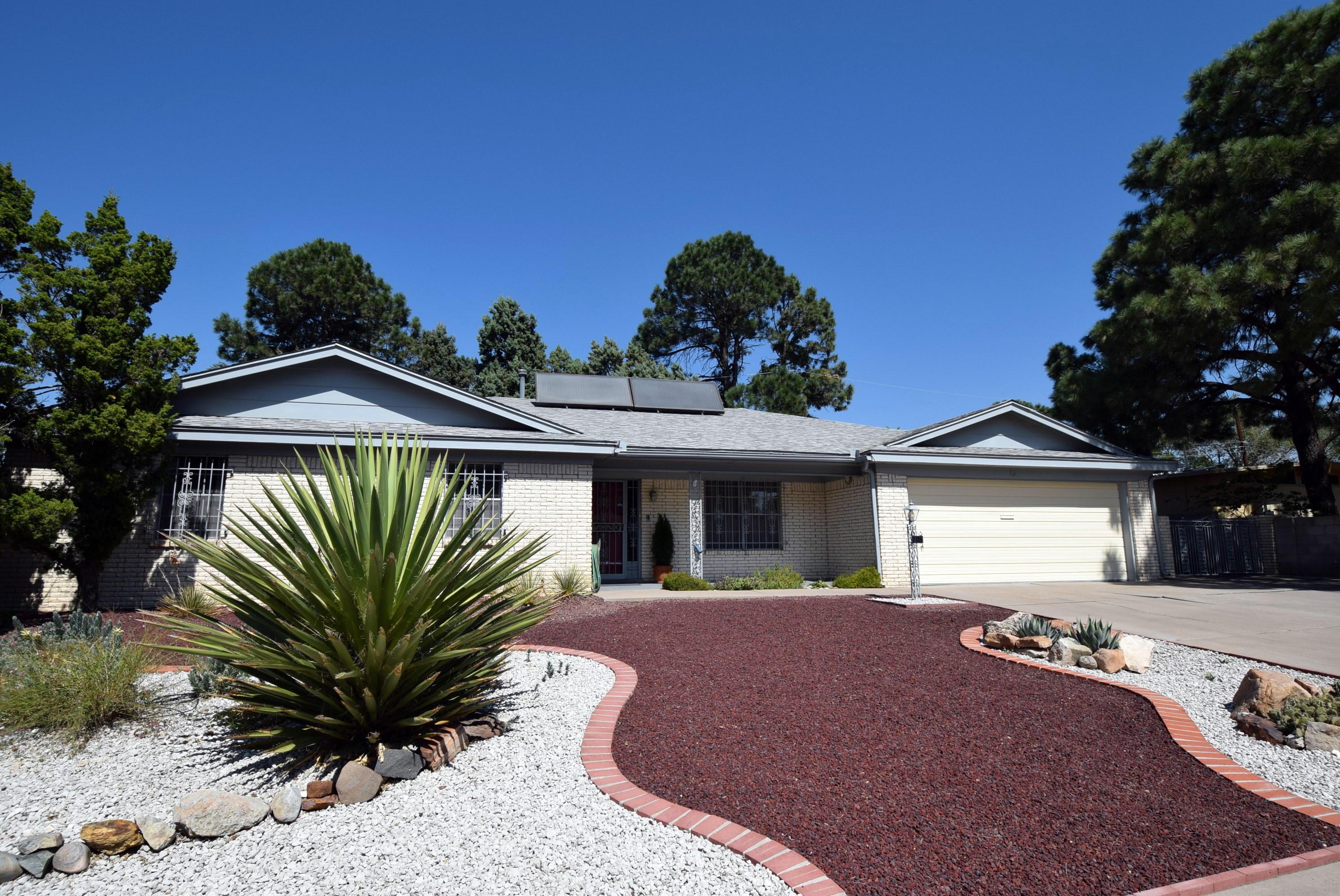 7709 Summer Avenue Ne Property Photo