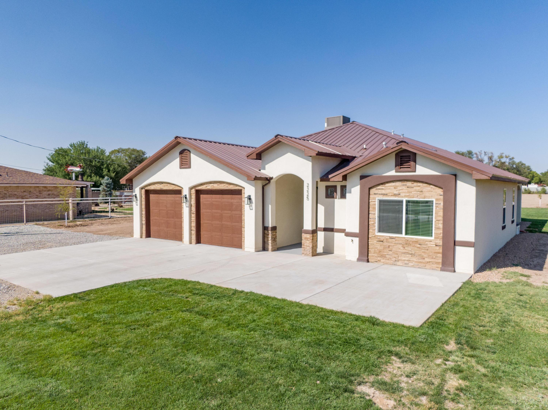 2225 S JULIE Avenue SW Property Photo - Albuquerque, NM real estate listing
