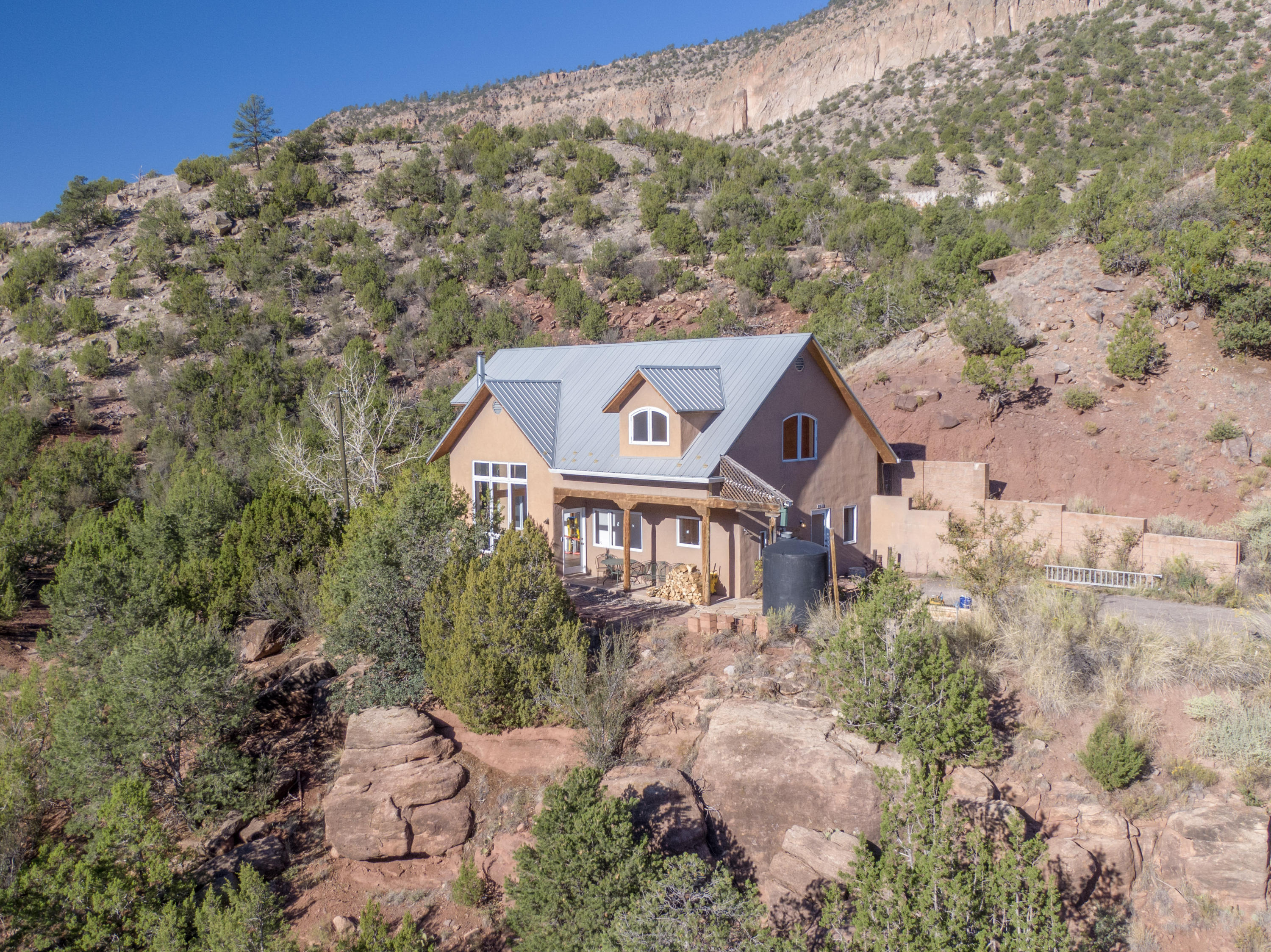 60 SIERRA Court Property Photo - Jemez Springs, NM real estate listing