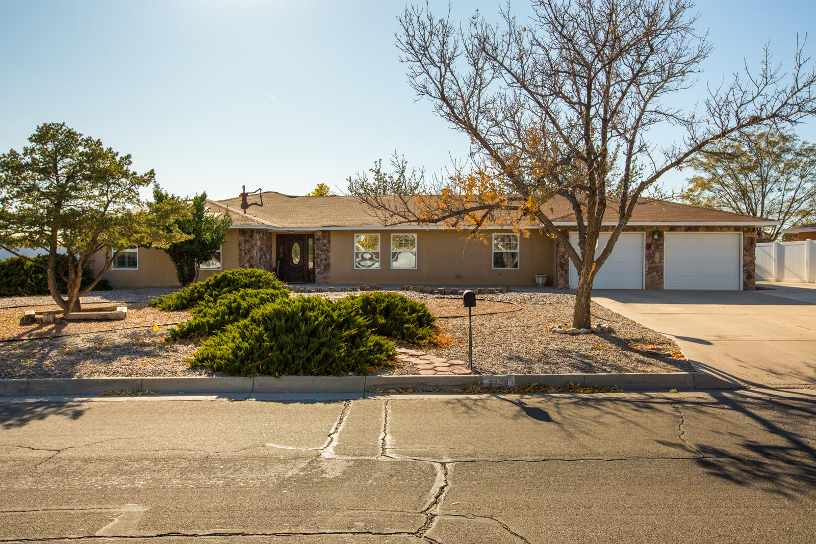 3708 SAINT ANDREWS Drive SE Property Photo - Rio Rancho, NM real estate listing