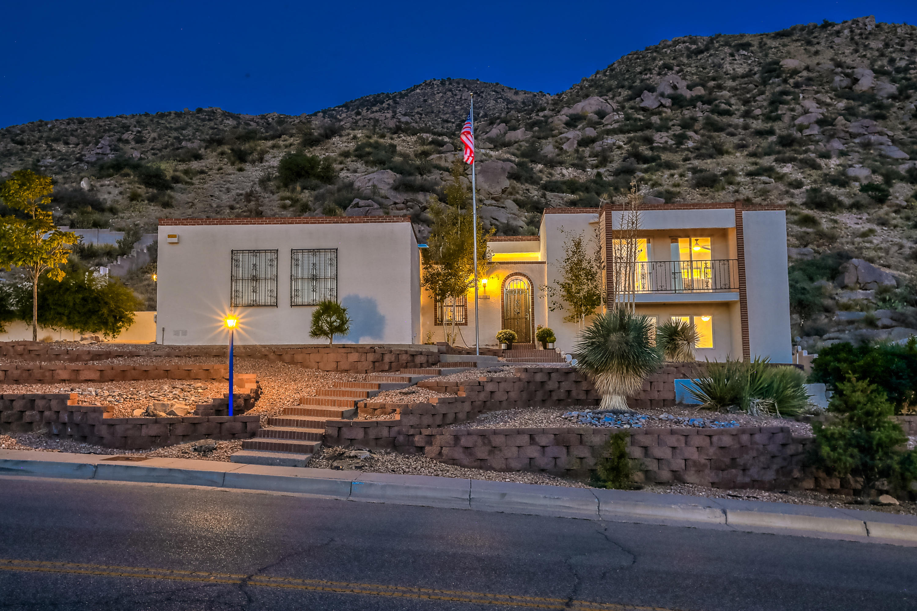 3004 CAMINO DE LA SIERRA NE Property Photo - Albuquerque, NM real estate listing