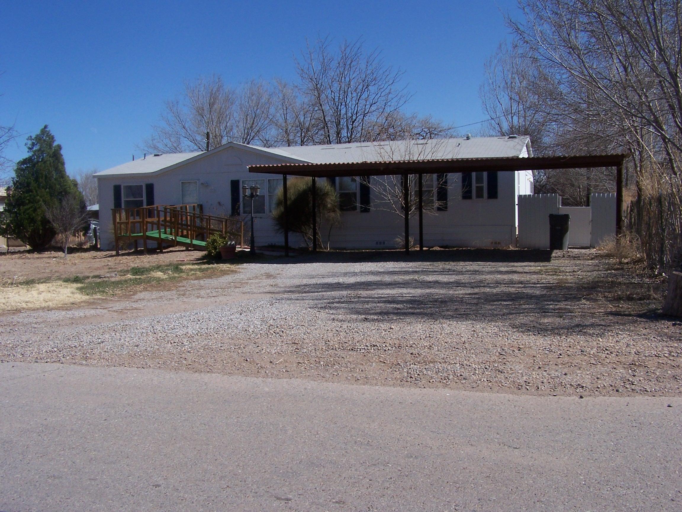 2810 PARKLANE Drive Property Photo - Bosque Farms, NM real estate listing