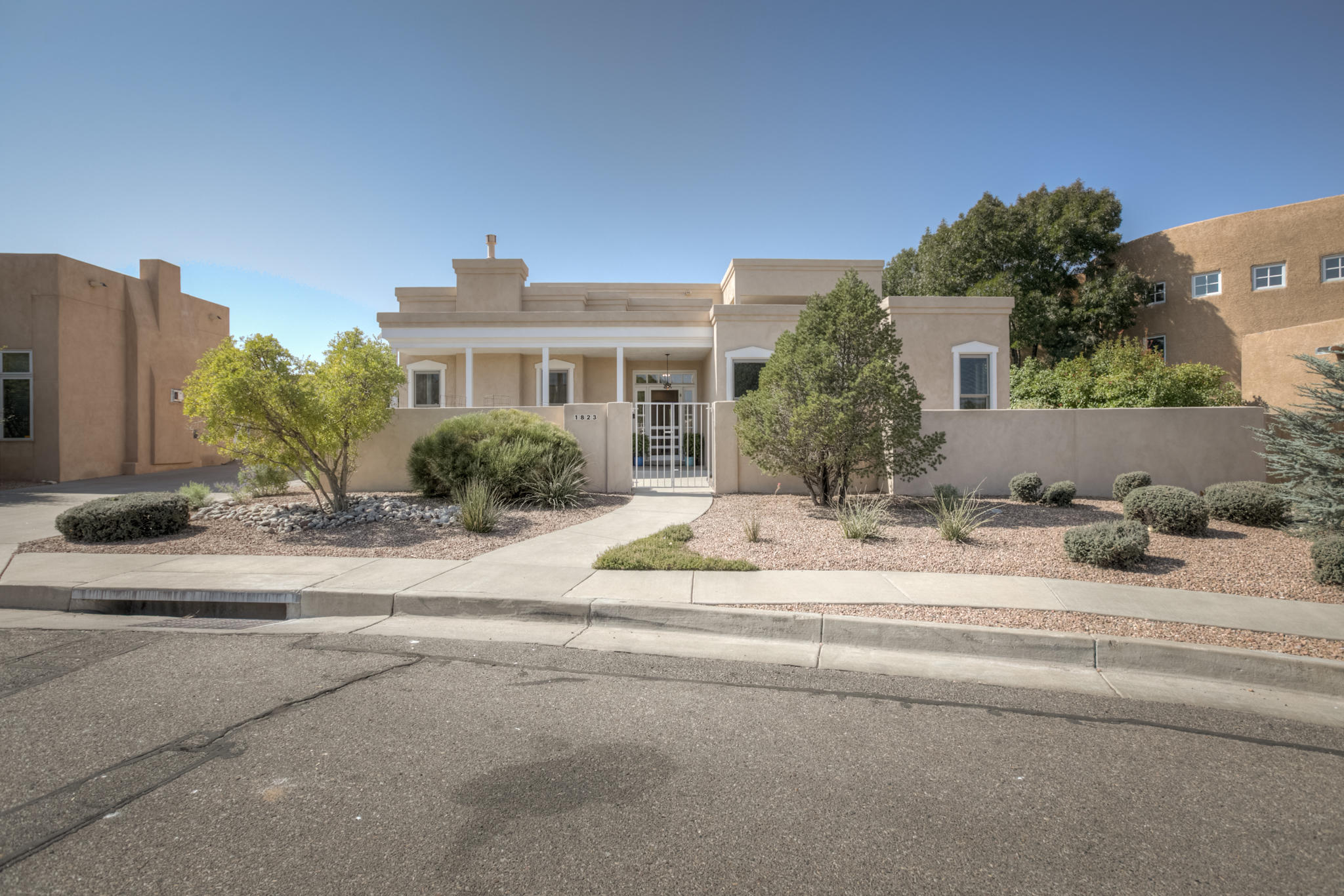 1823 AVENIDA ALTURAS NE Property Photo - Albuquerque, NM real estate listing
