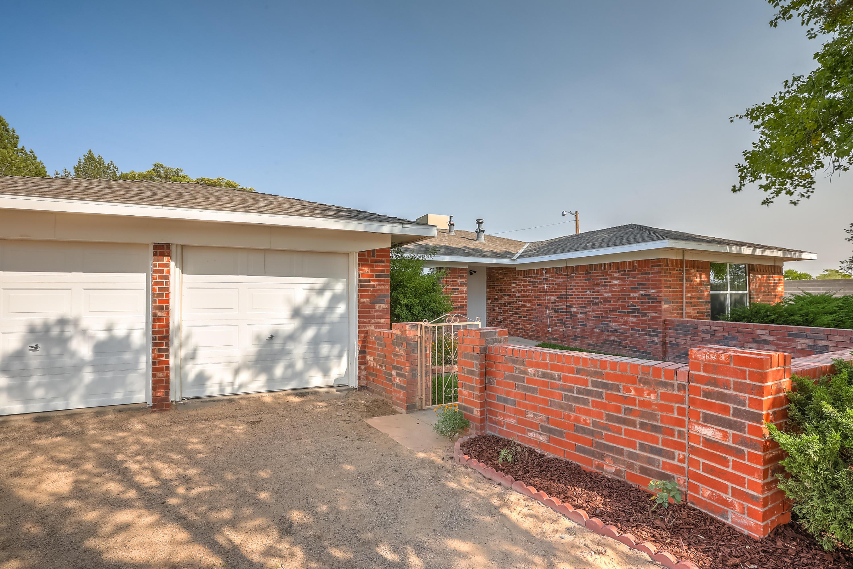 4512 Kirk Lane SW Property Photo - Albuquerque, NM real estate listing