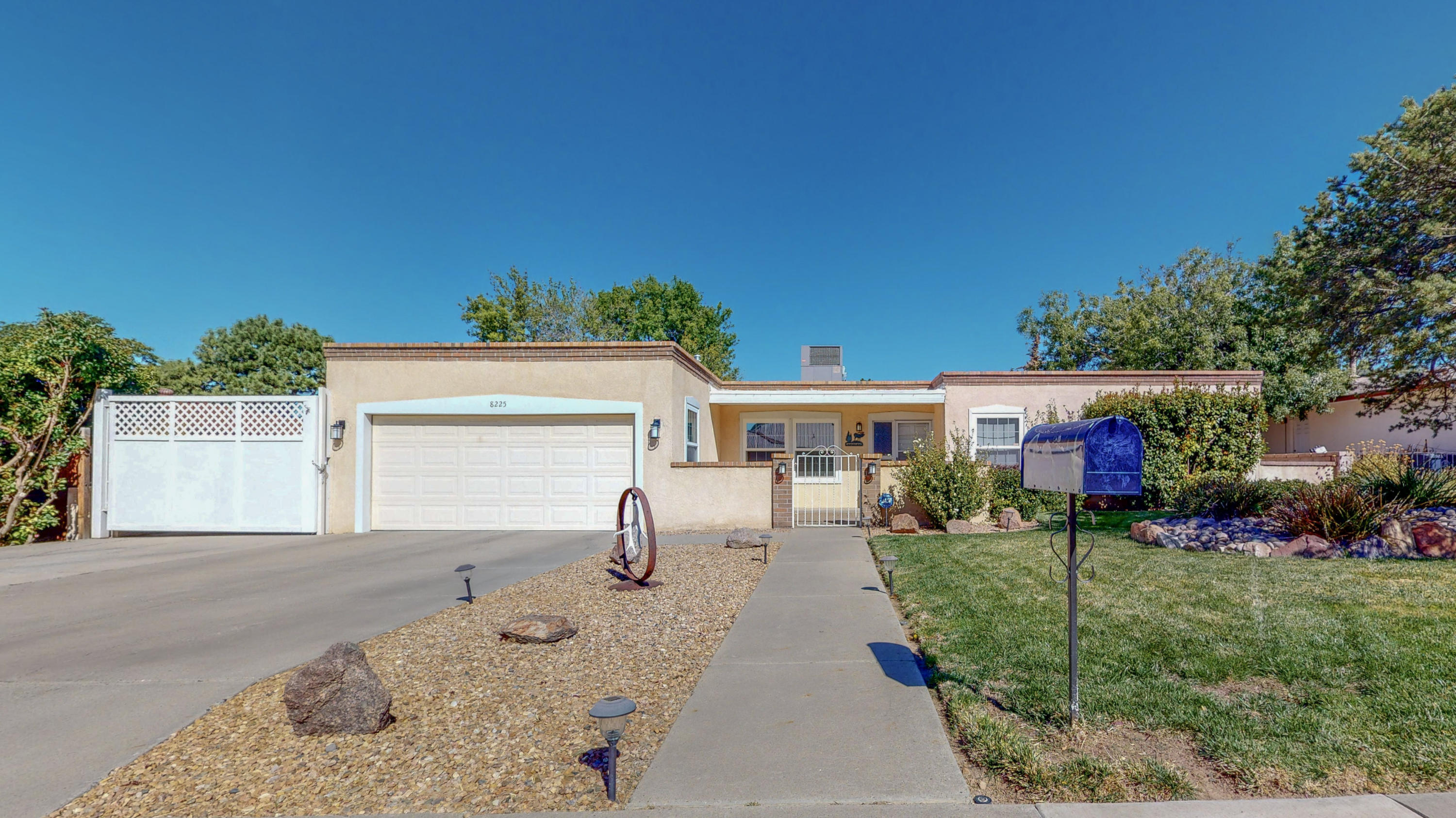 8225 EVANGELINE Court NE Property Photo - Albuquerque, NM real estate listing