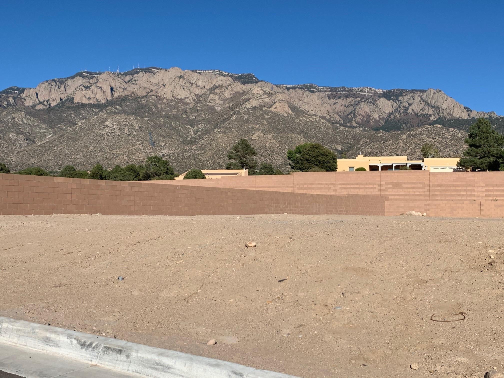 804 Harrier Hawk Drive NE Property Photo - Albuquerque, NM real estate listing