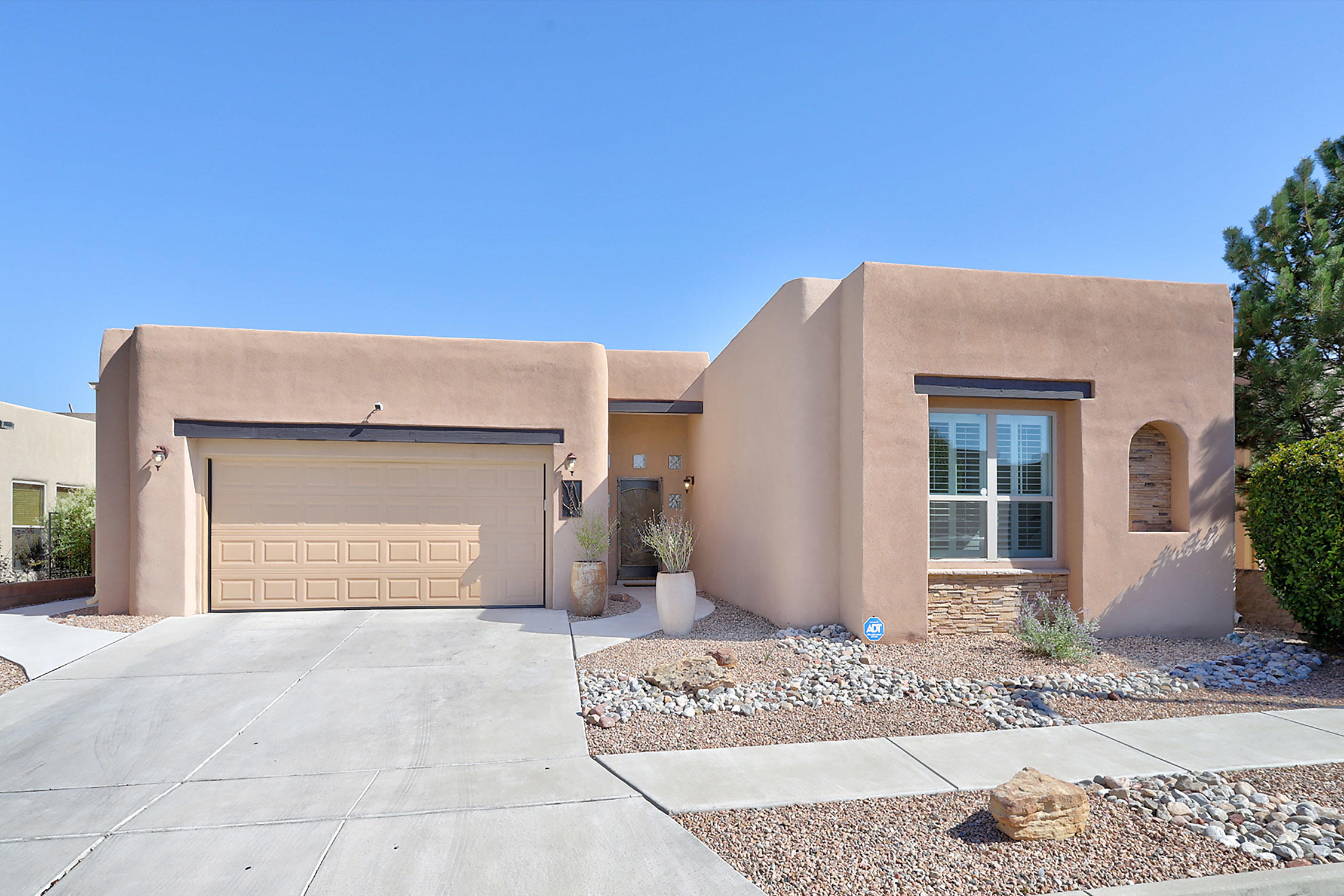 4628 ALMERIA Drive NW Property Photo - Albuquerque, NM real estate listing