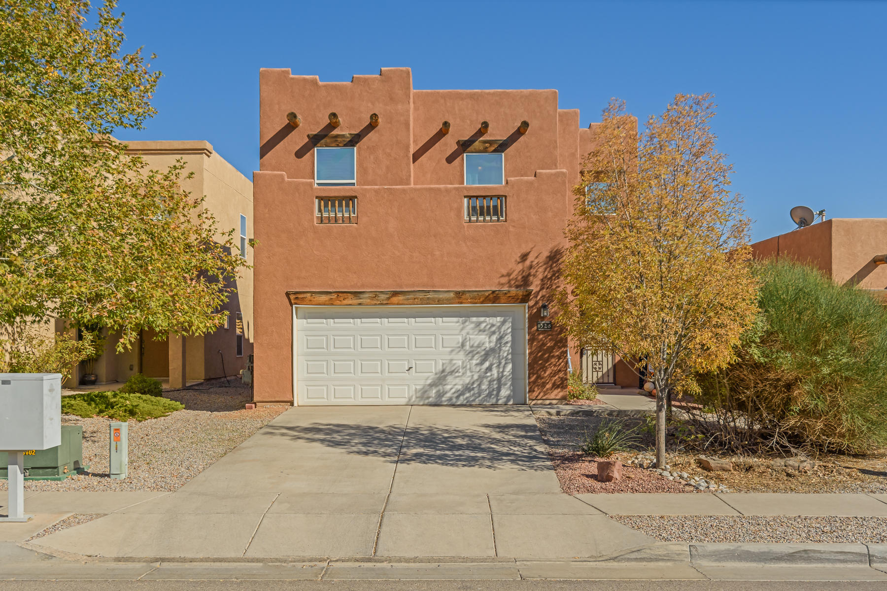 1328 Desert Ridge Drive Se Property Photo