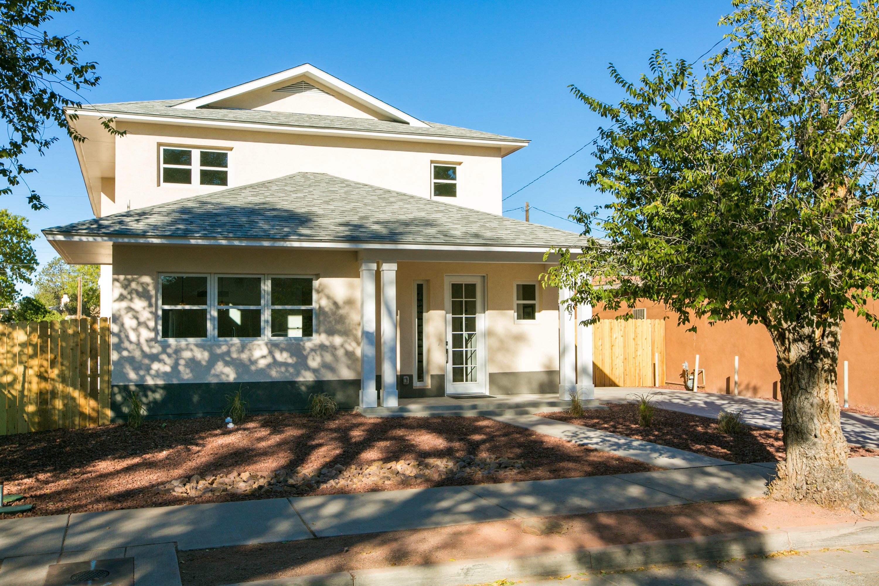 1027 FORRESTER Street NW Property Photo - Albuquerque, NM real estate listing