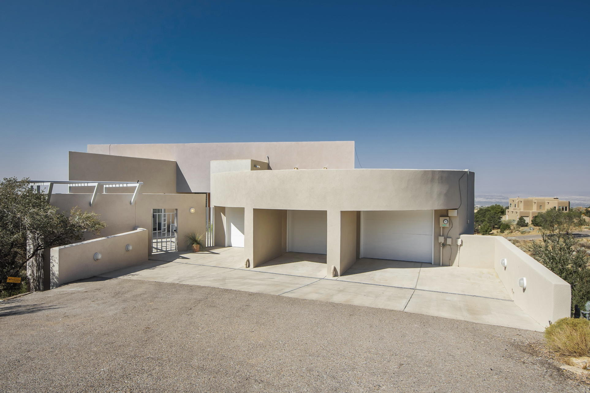 143 Big Horn Ridge Court NE Property Photo - Albuquerque, NM real estate listing