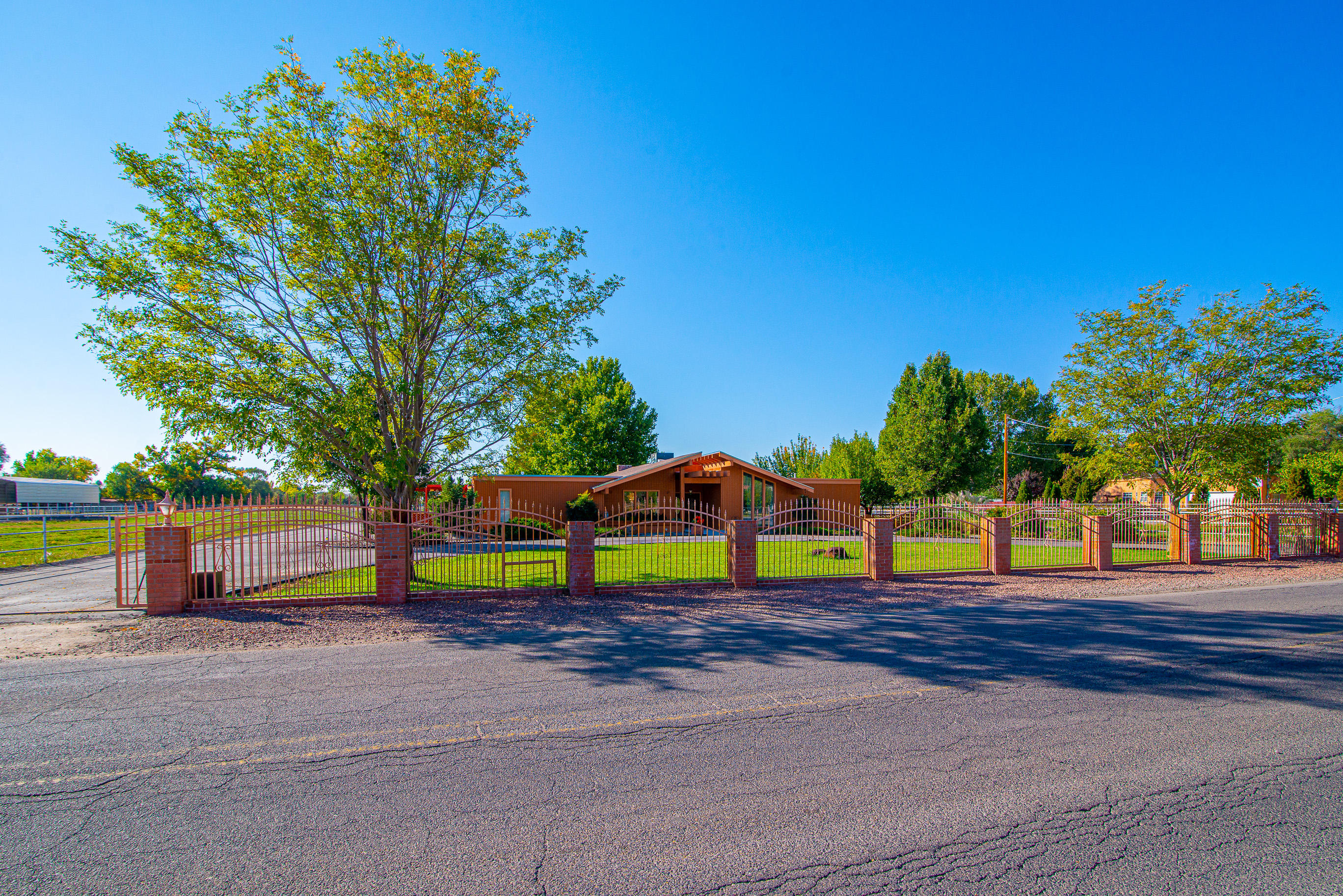 335 ESPERANZA Drive Property Photo - Bosque Farms, NM real estate listing
