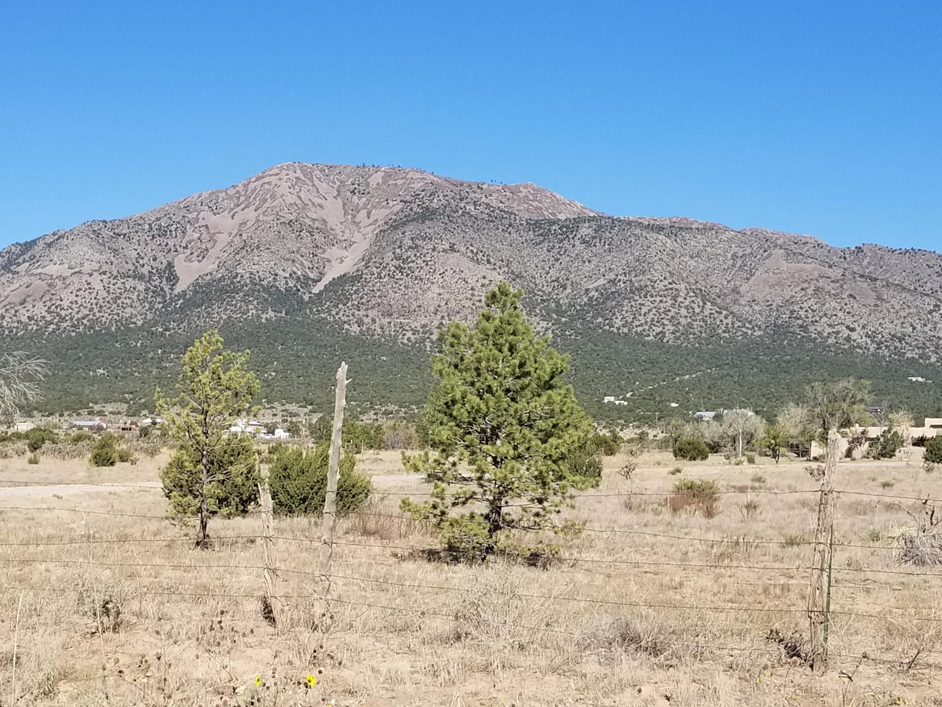 234 Entranosa Road Property Photo - Edgewood, NM real estate listing