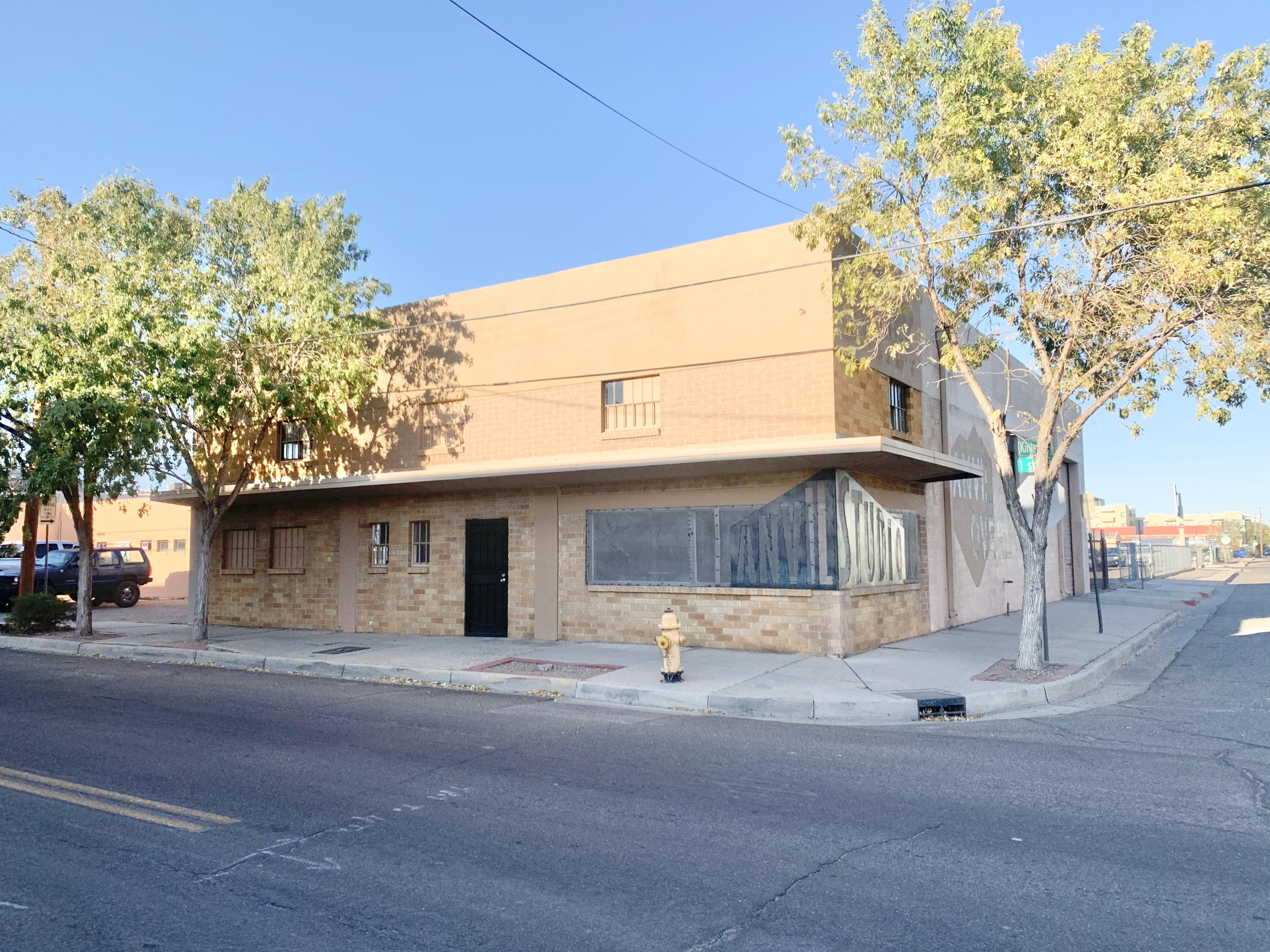 1423 1ST Street NW Property Photo - Albuquerque, NM real estate listing