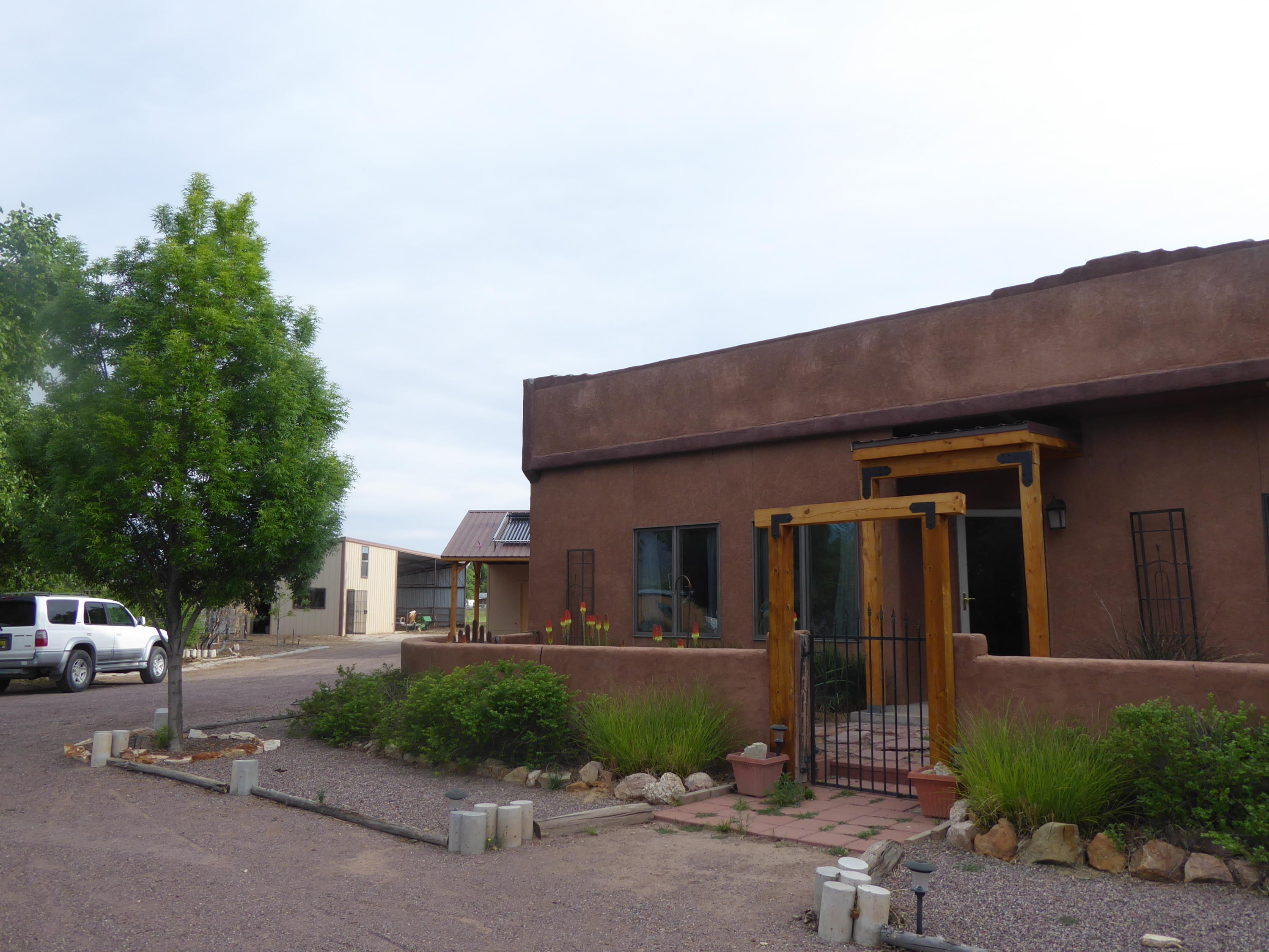 77 Community Road Property Photo - Polvadera, NM real estate listing