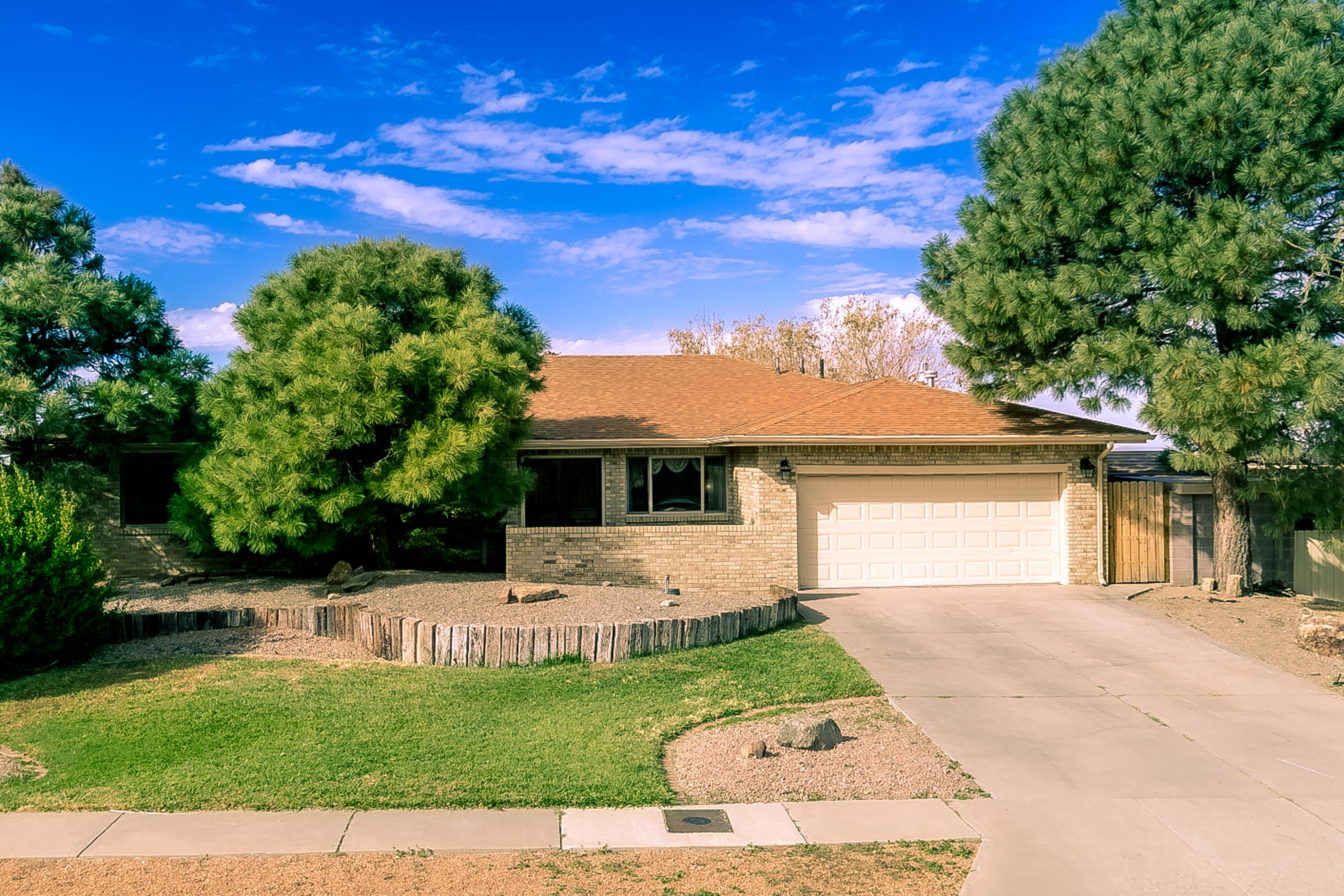 1901 WHITE CLOUD Street NE Property Photo - Albuquerque, NM real estate listing