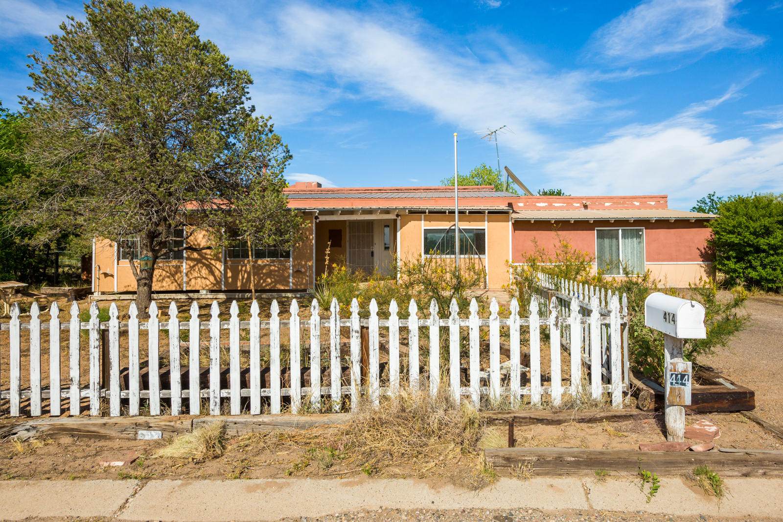 414 Hillman Street Property Photo - Rio Communities, NM real estate listing
