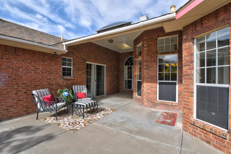 9512 ROSAS Avenue NE Property Photo
