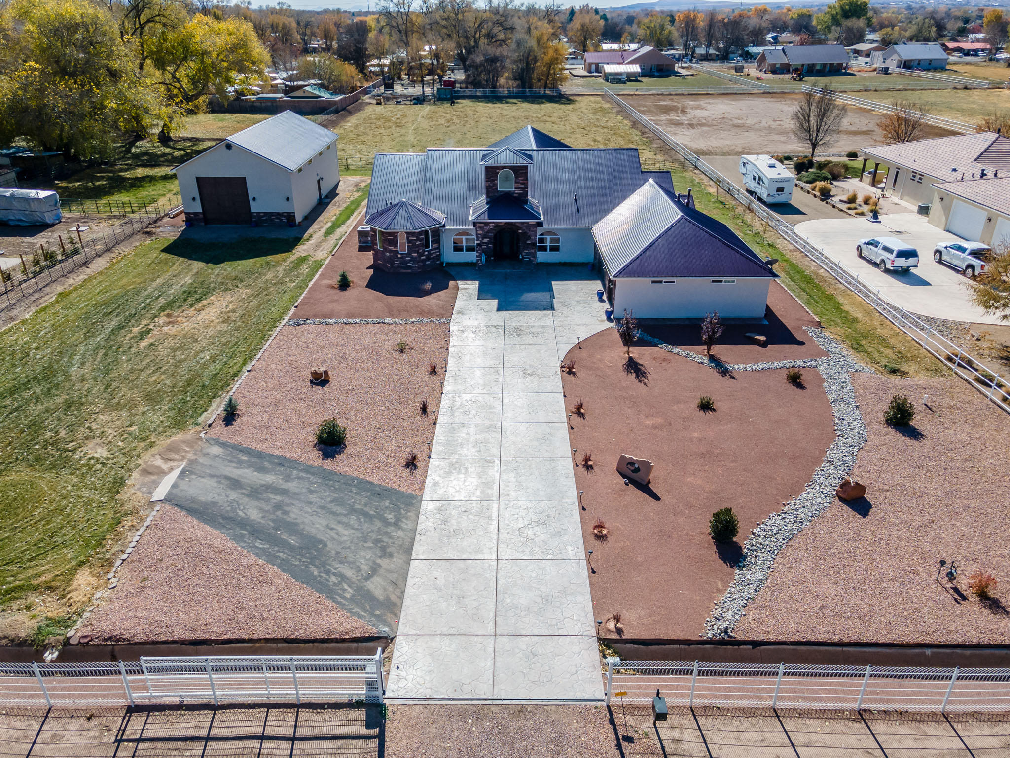 2500 LAKEVIEW Road SW Property Photo - Albuquerque, NM real estate listing