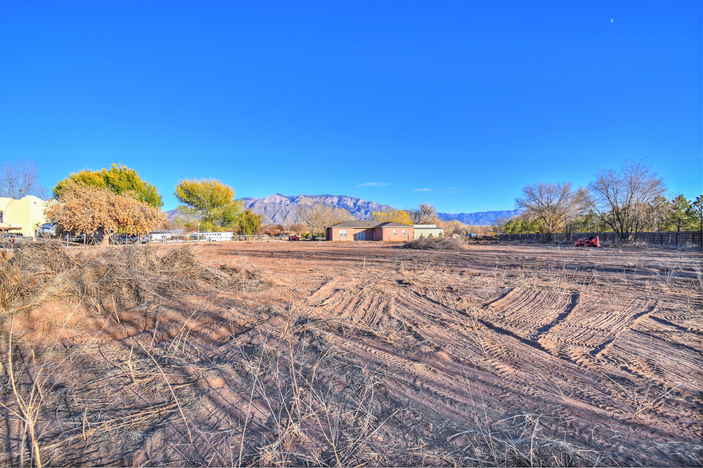 527 Paseo De Dulcelina Road Property Photo - Corrales, NM real estate listing