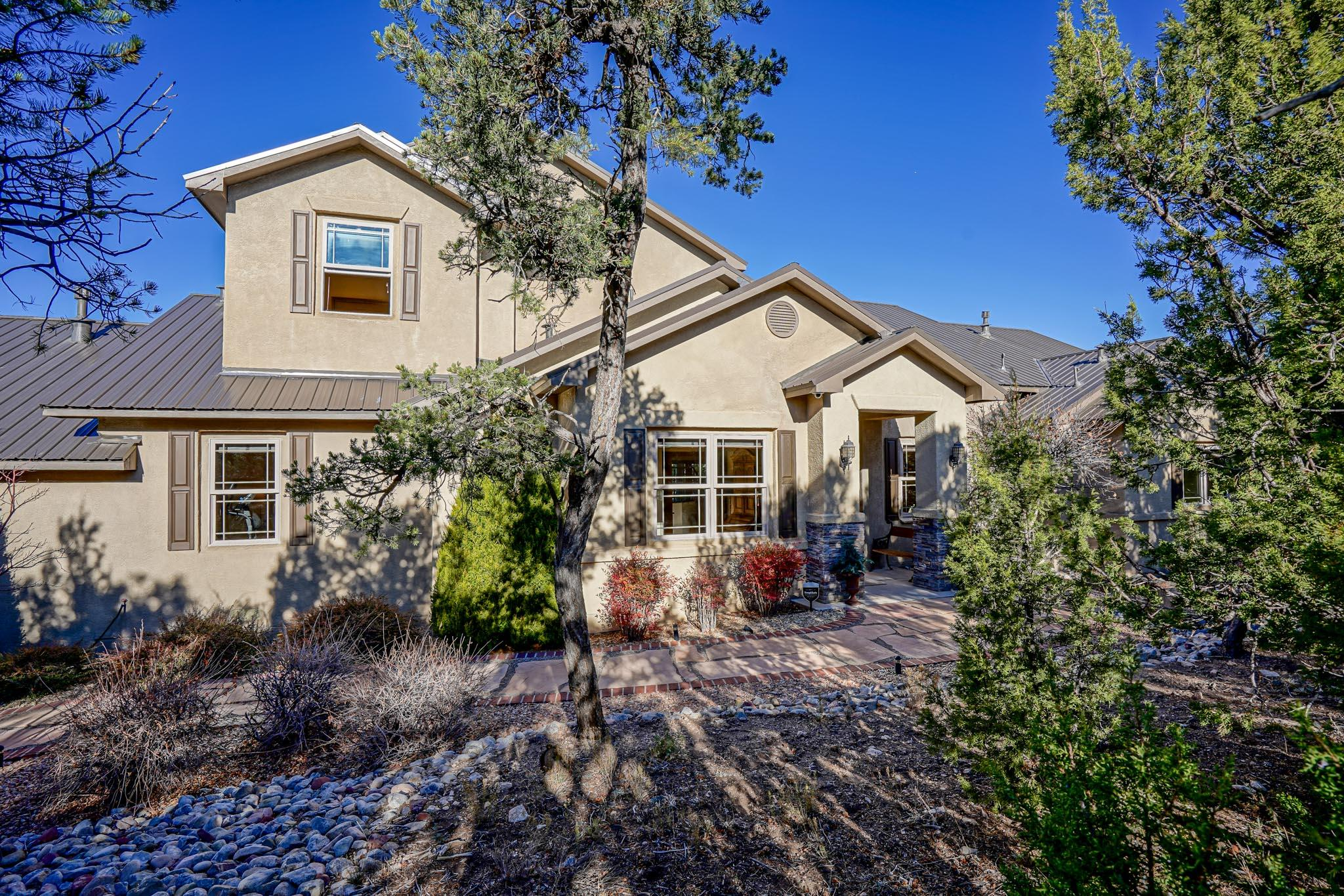 16 Tablazon Valley Drive Property Photo - Tijeras, NM real estate listing
