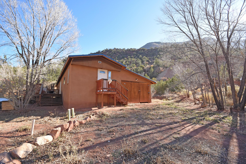 140 Stubborn Pine Road Property Photo