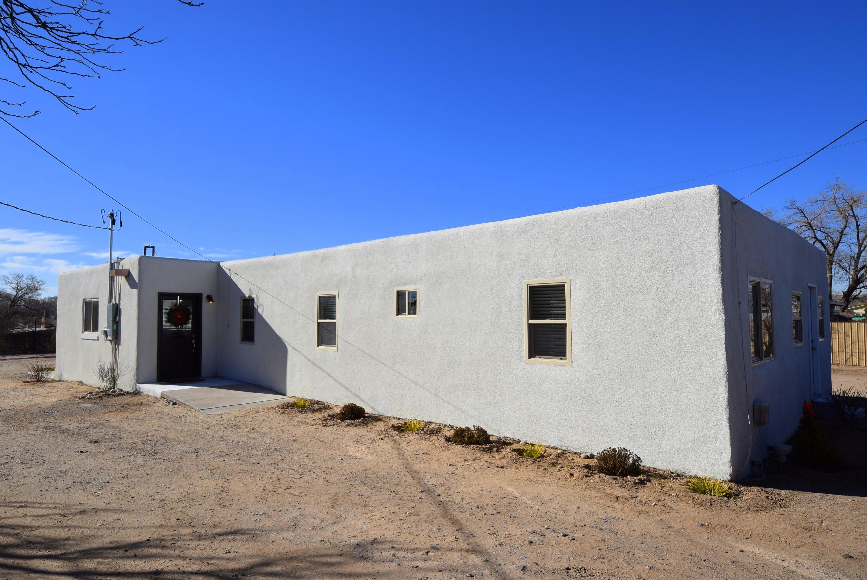 3120 AMALIA Road SW Property Photo - Albuquerque, NM real estate listing