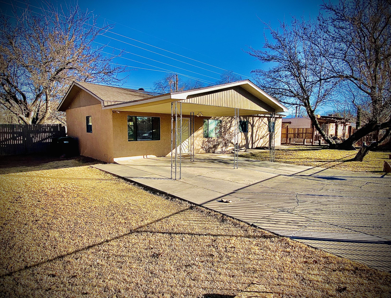 3937 Mary Etta Avenue SW Property Photo