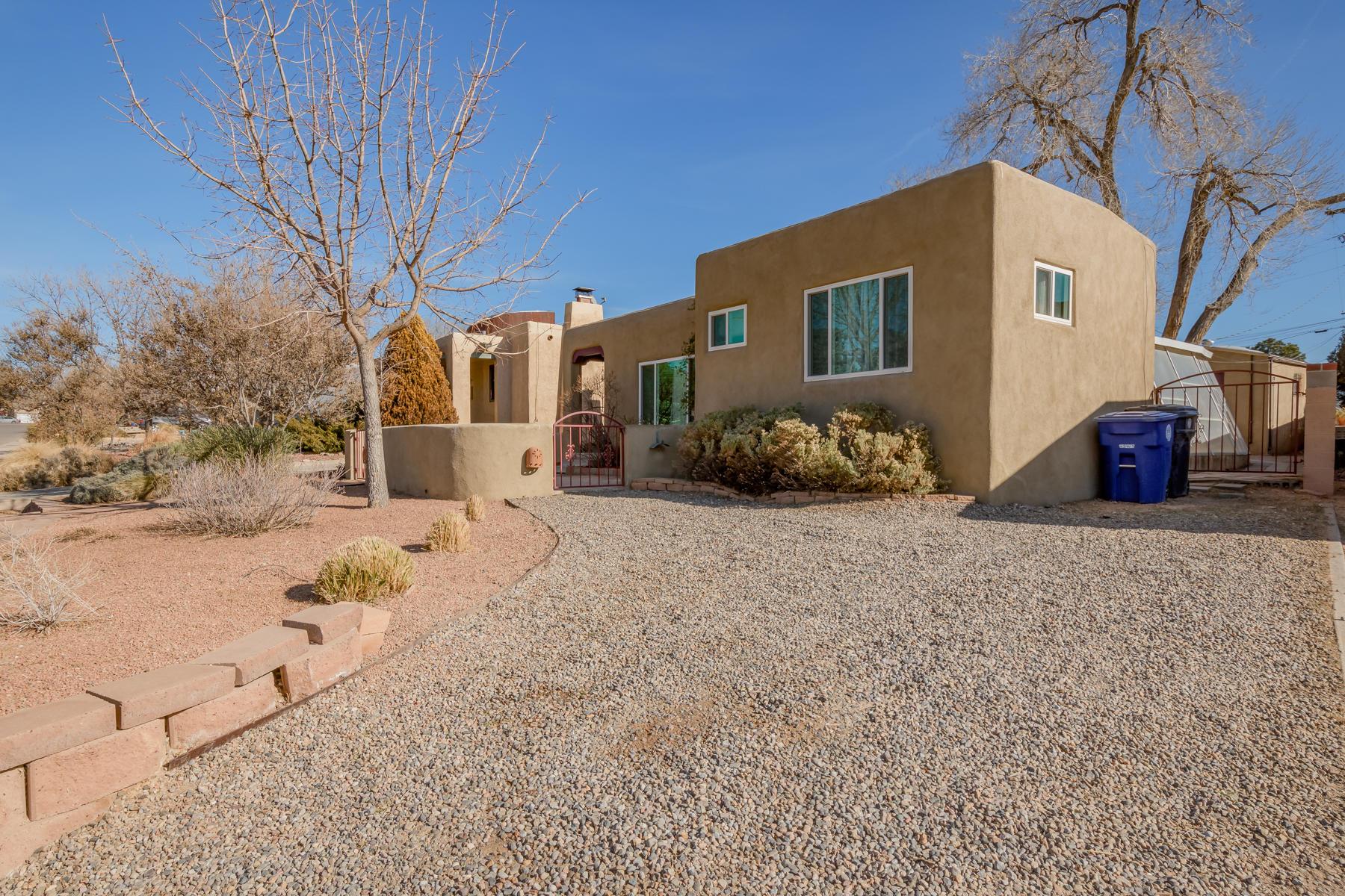 410 RICHMOND Place NE Property Photo
