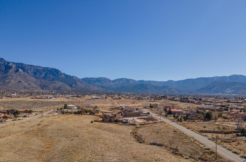 Ranchitos Avenue NE Property Photo - Albuquerque, NM real estate listing