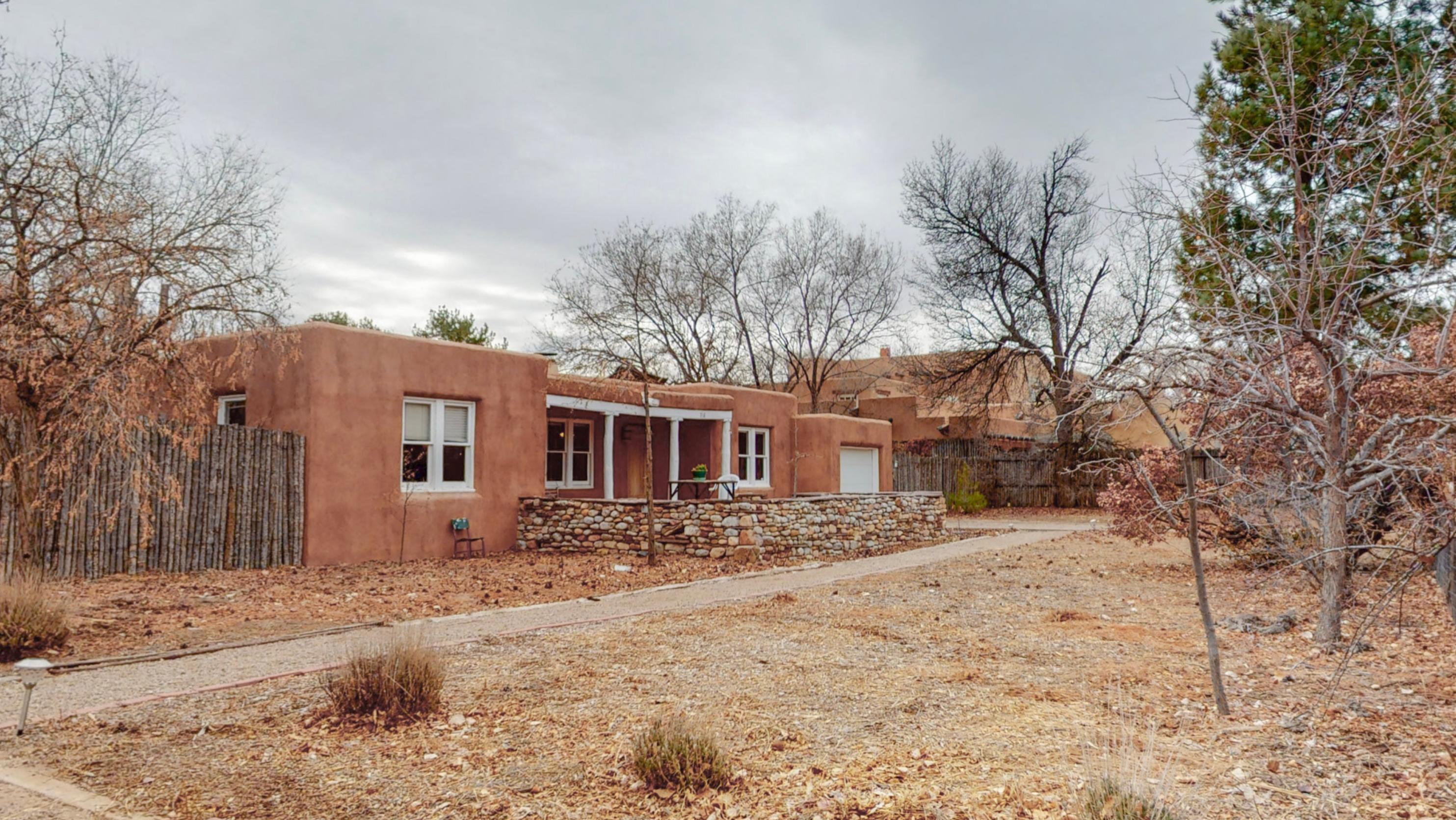 716 Pueblo Solano Road Nw Property Photo