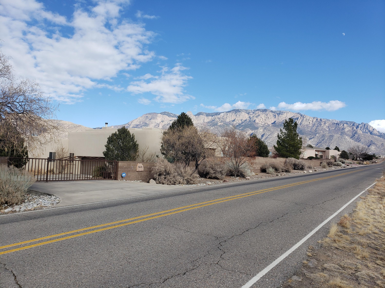 ELENA Drive NE Property Photo - Albuquerque, NM real estate listing