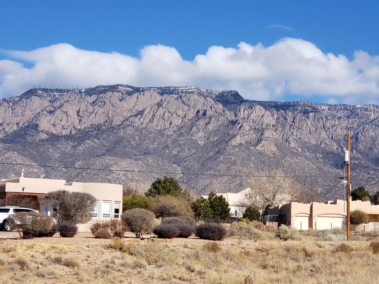 Del Rey Avenue NE Property Photo - Albuquerque, NM real estate listing