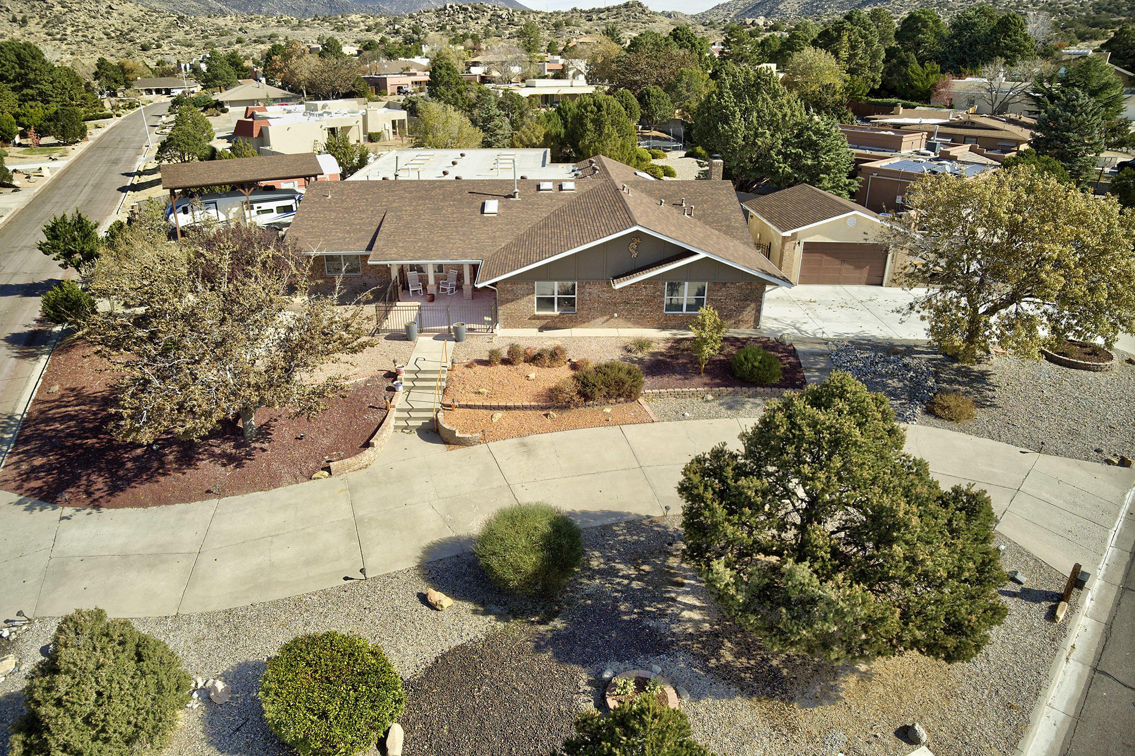 1601 LA CABRA Drive SE Property Photo 1